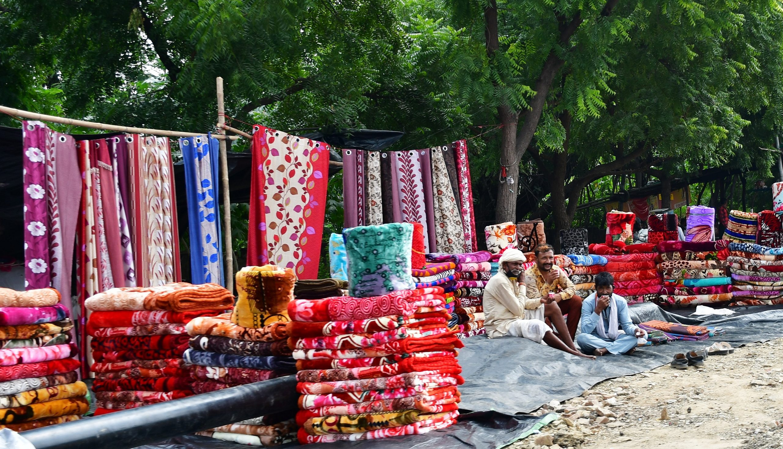 blanket sellers on the road side