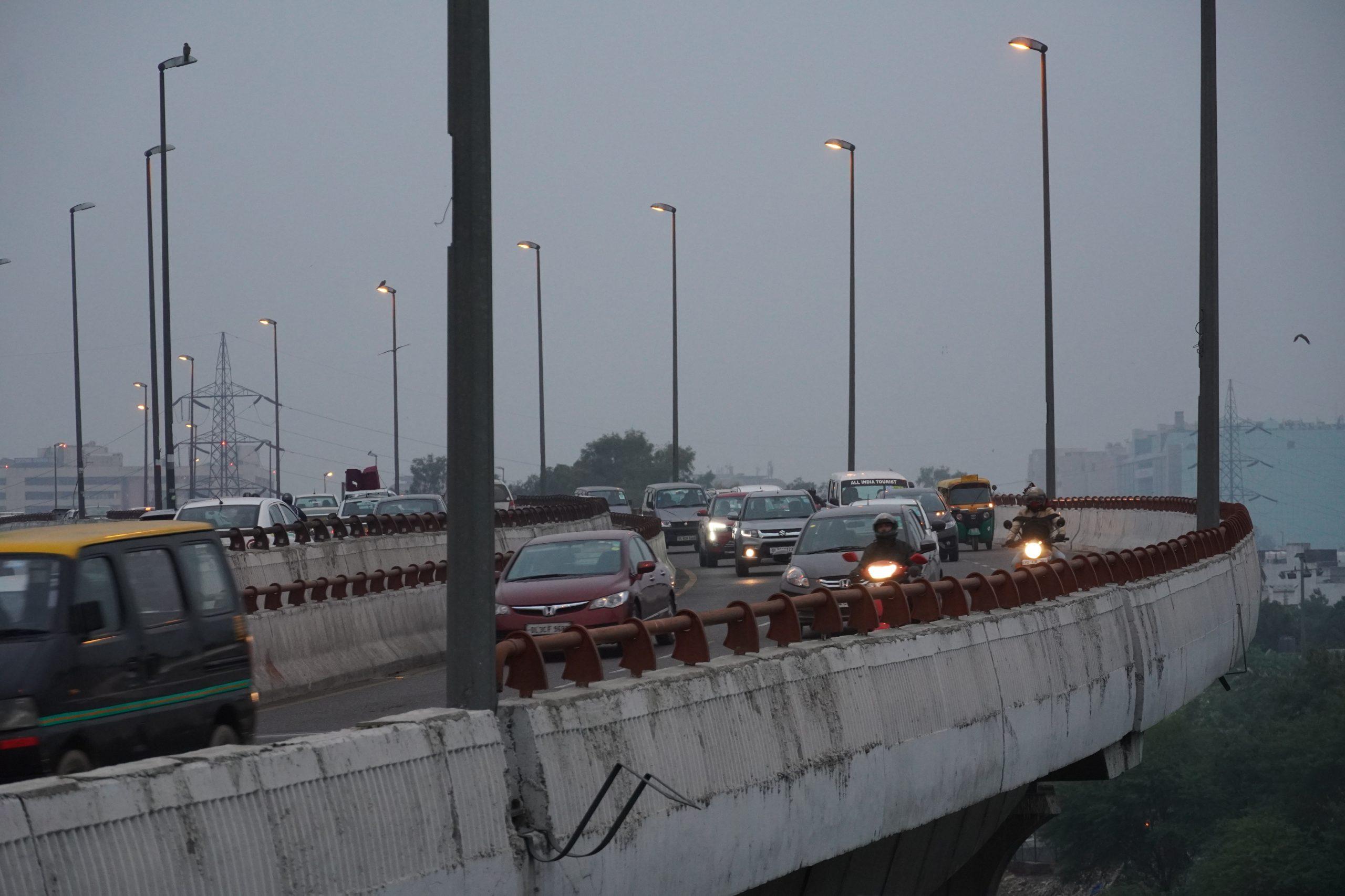 Traffic on Yamuna Expressway