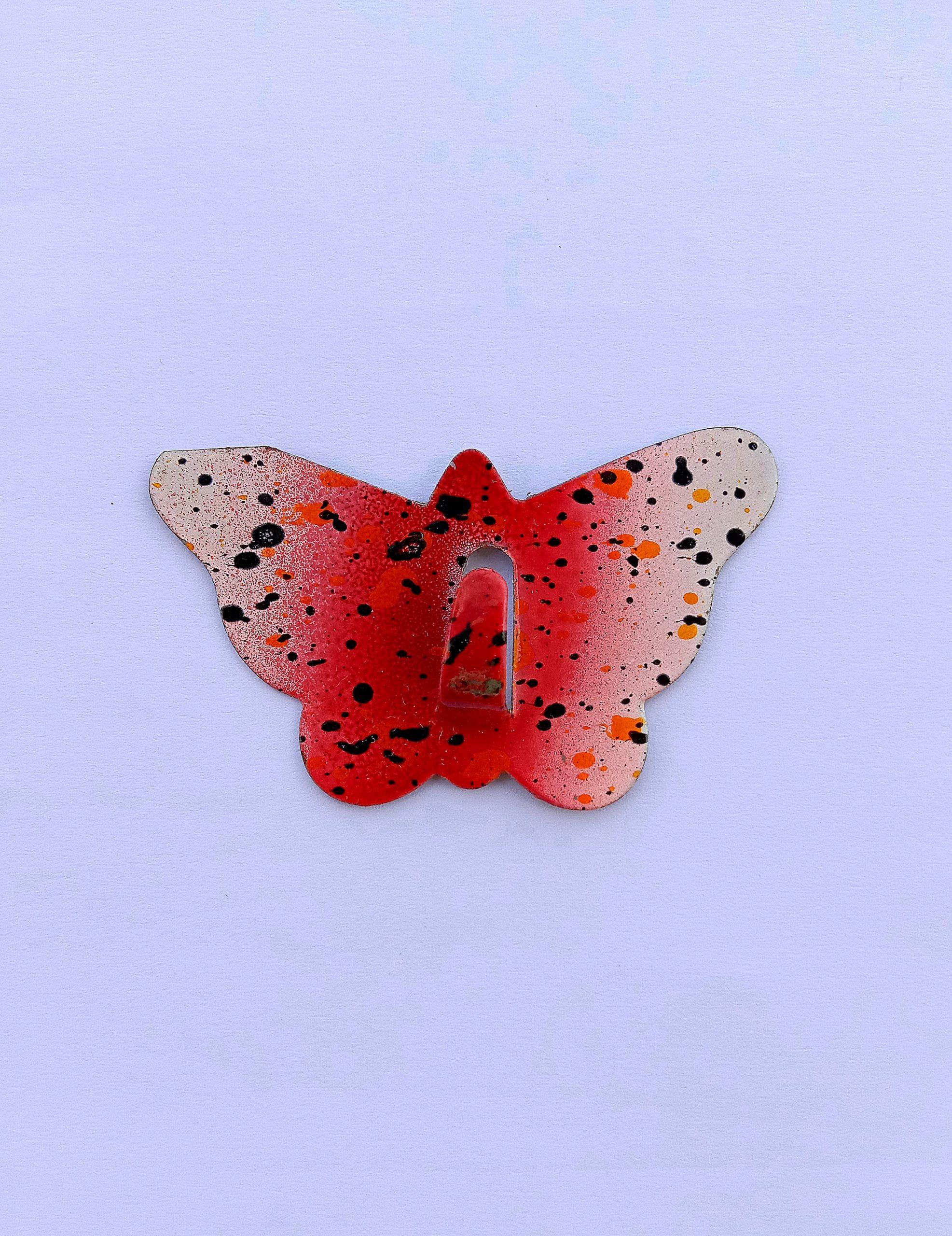 butterfly shaped hook