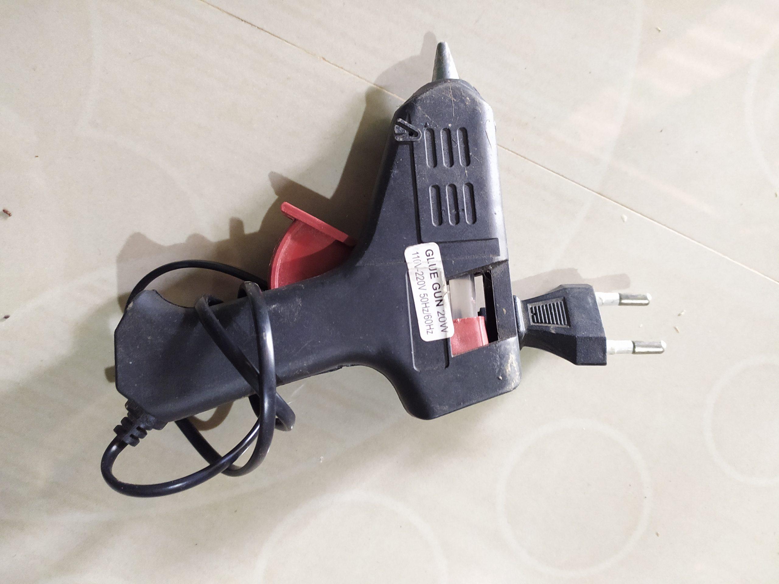 A glue gun