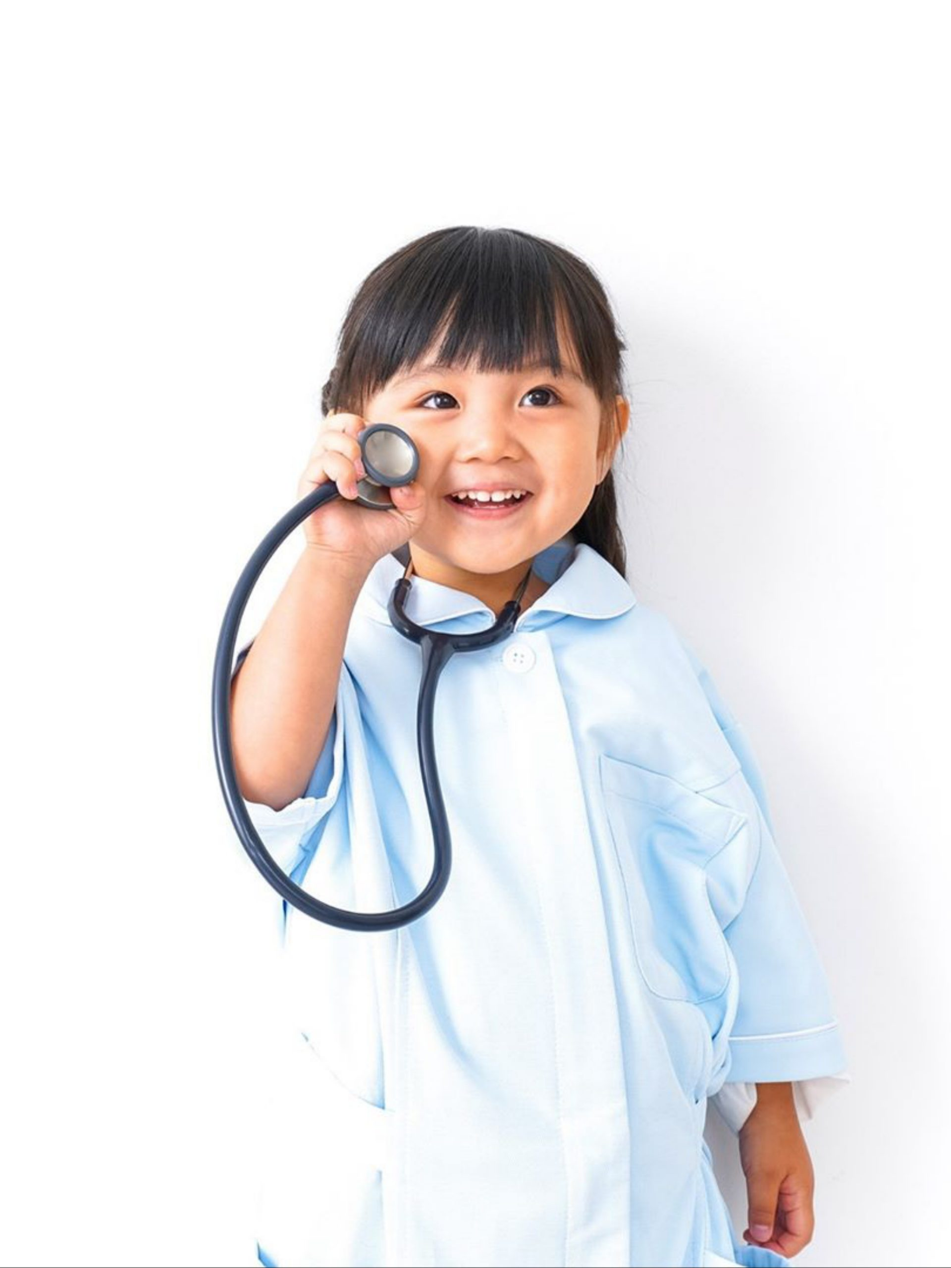 A kid in doctor costume