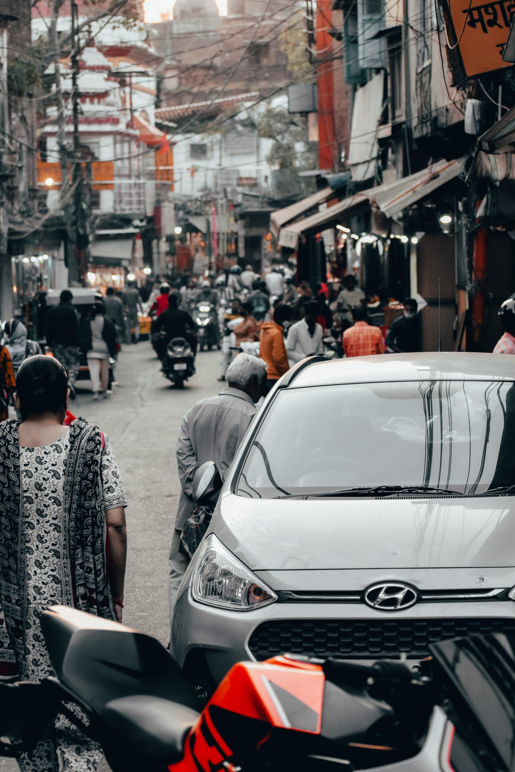 Traffic in a street market
