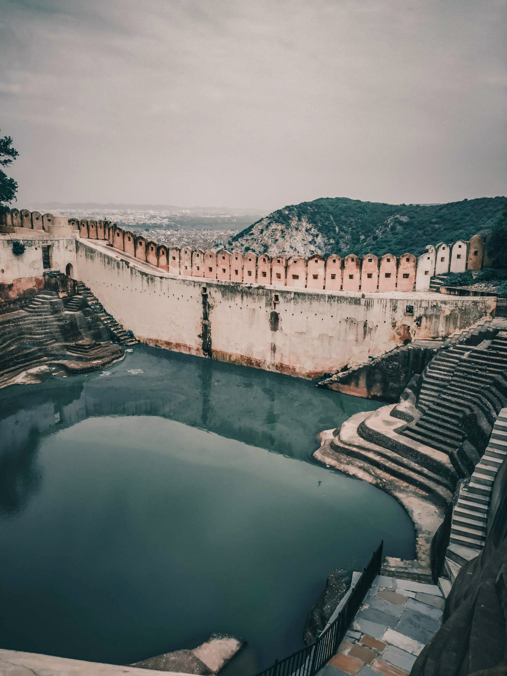 A water pool inside Nahargarh Fort