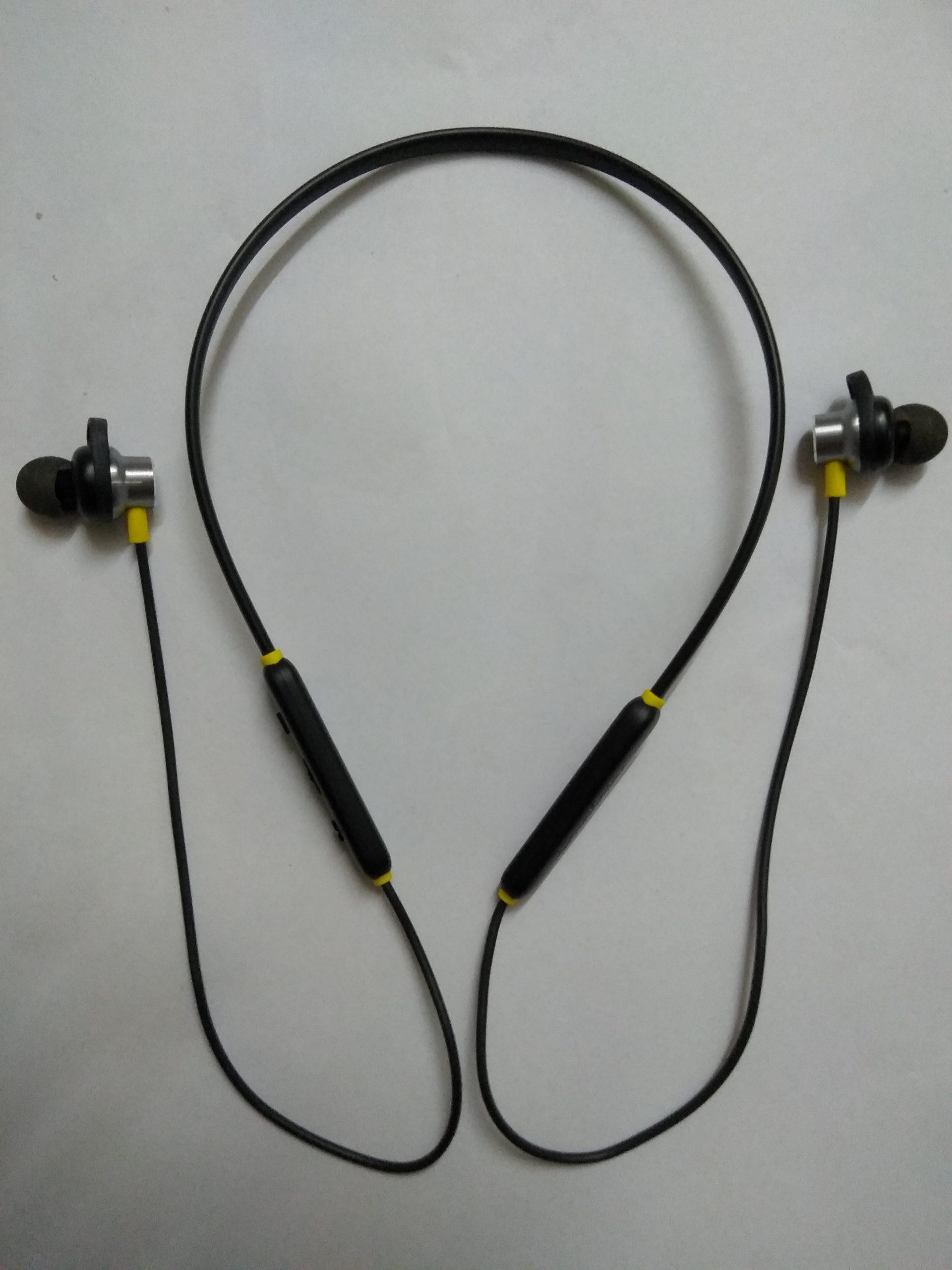 An earphone
