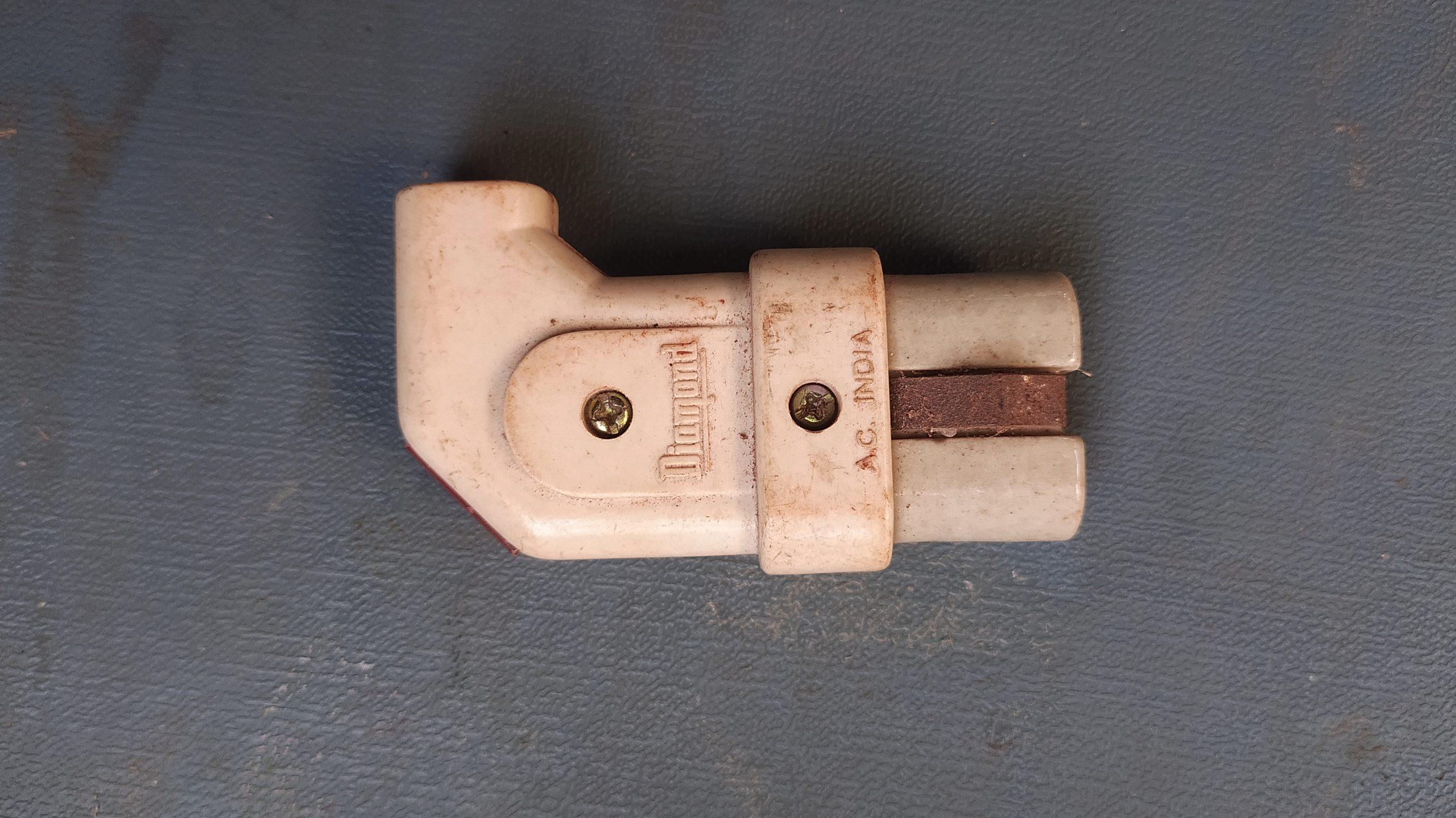 An electric light pass pin