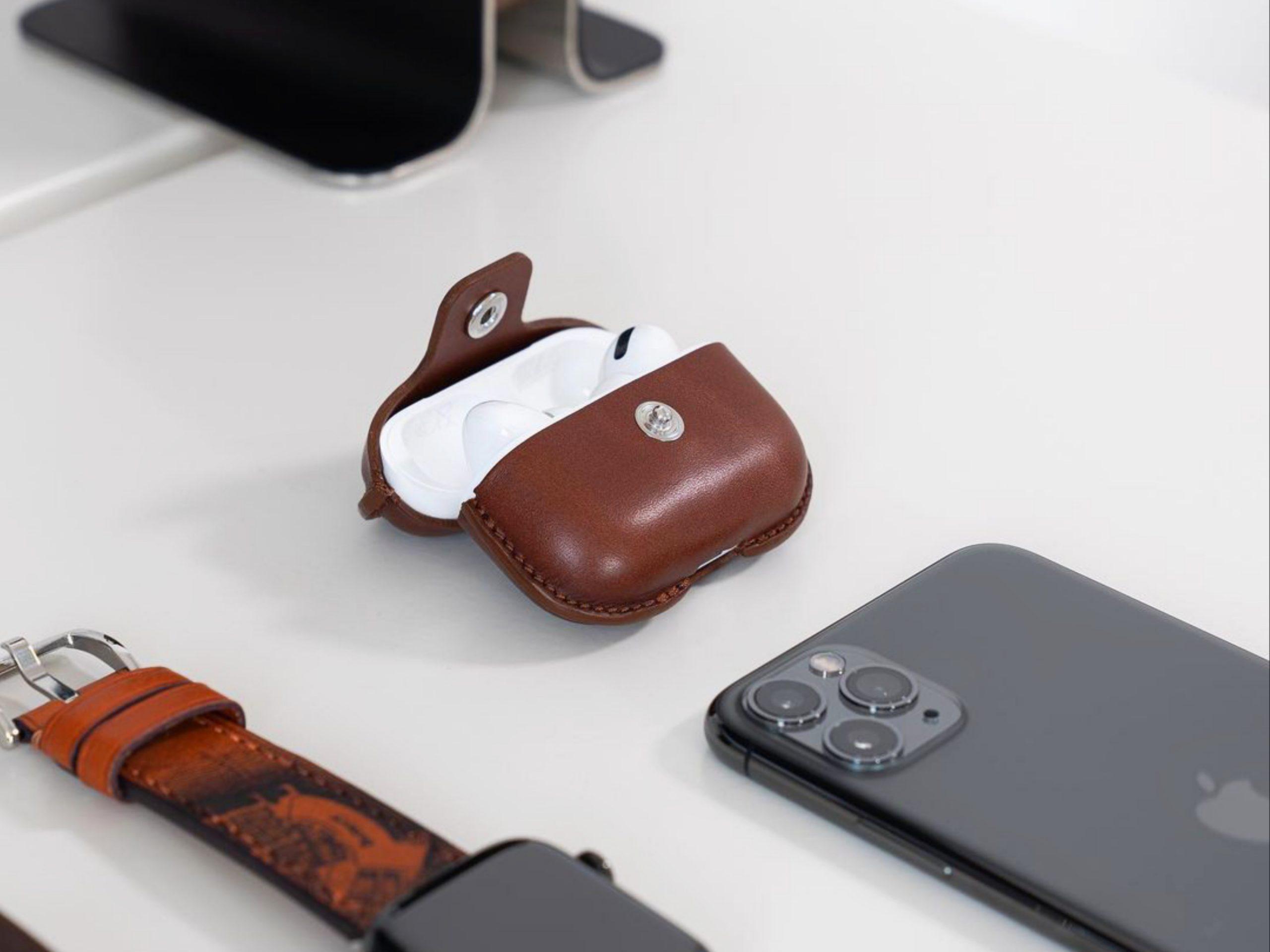 mobile, earpods, watch
