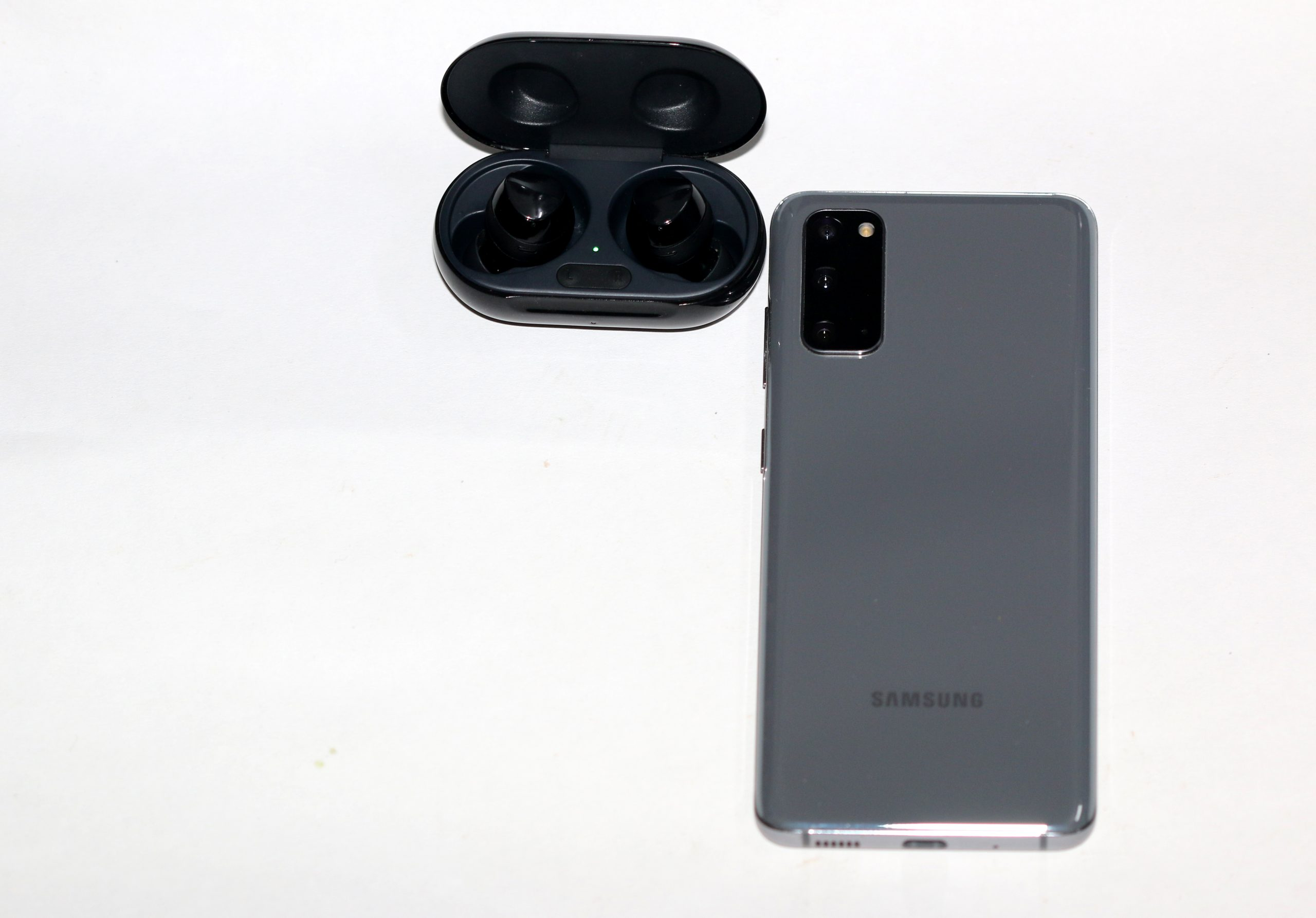 mobile and earpods