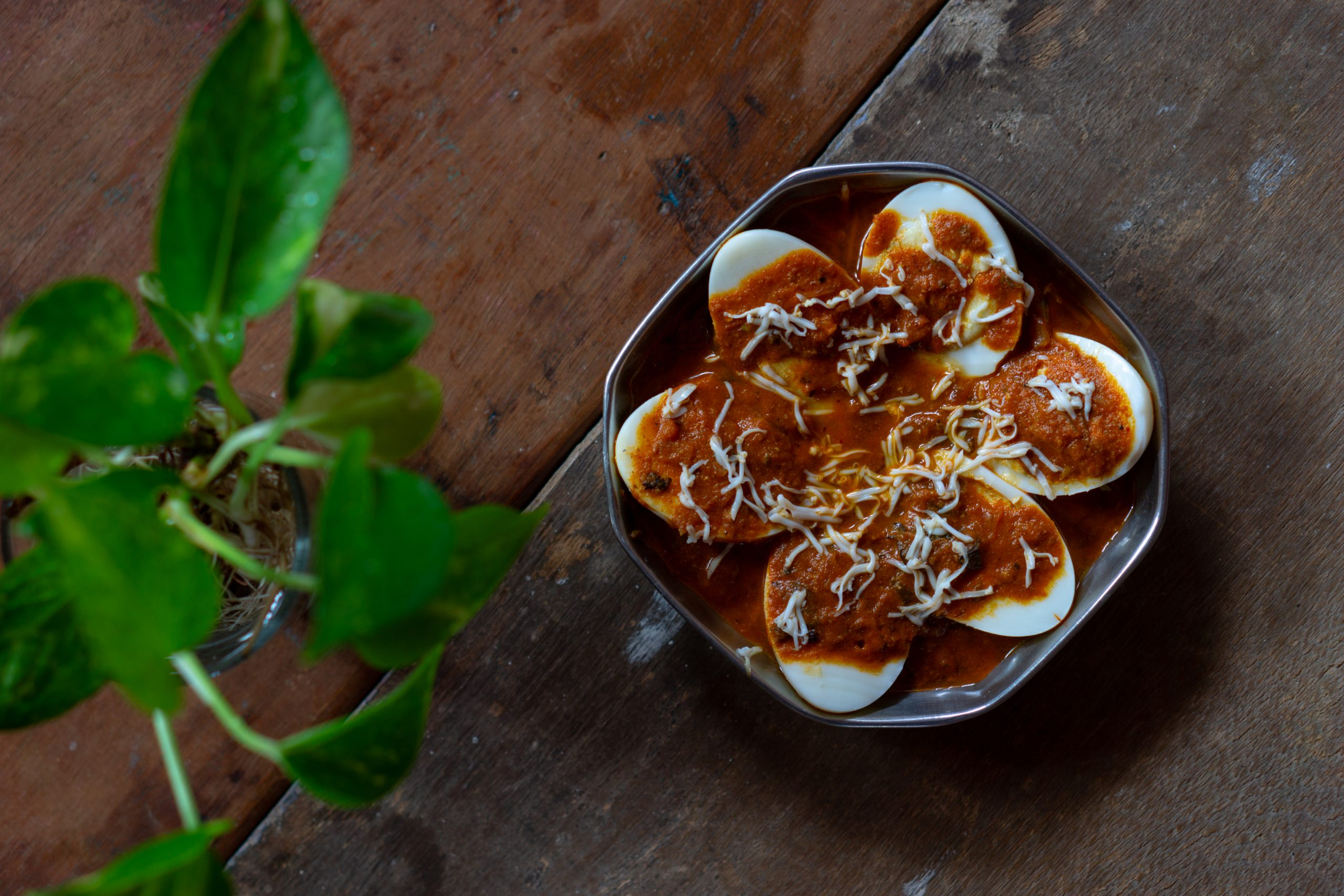 Boiled eggs with spicy sauce