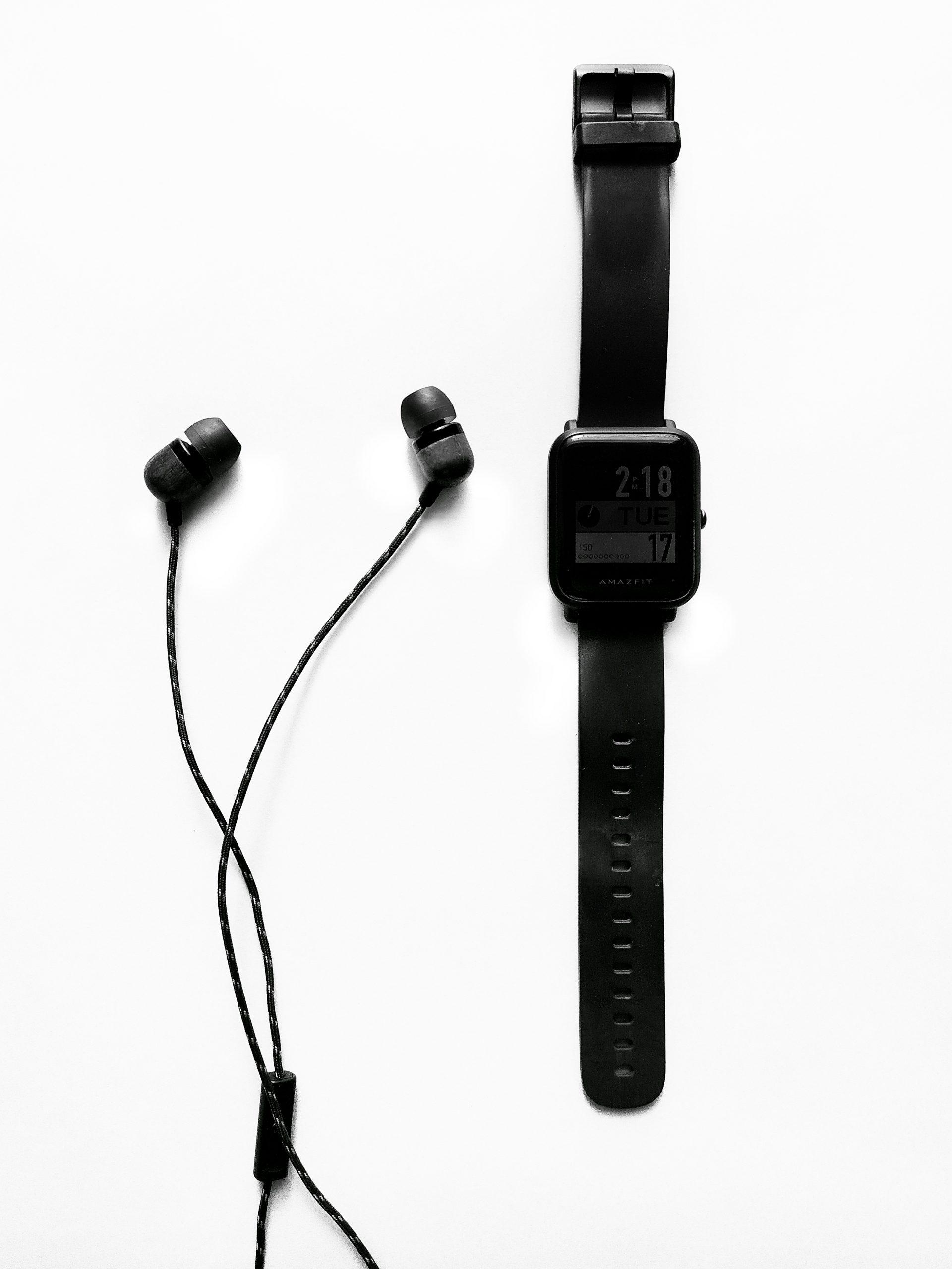 Earphones and smartwatch