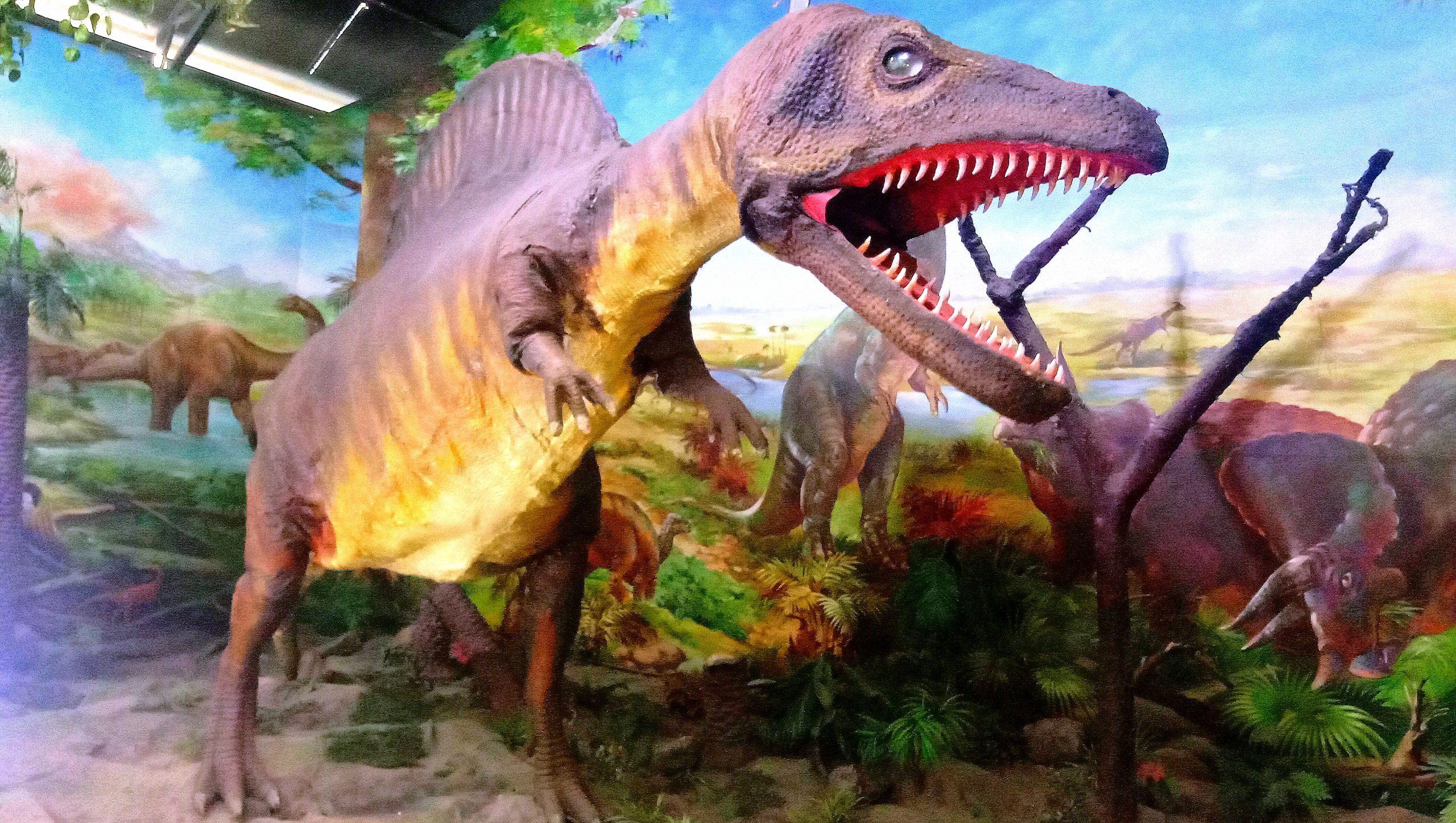 A statue of Dinosaur