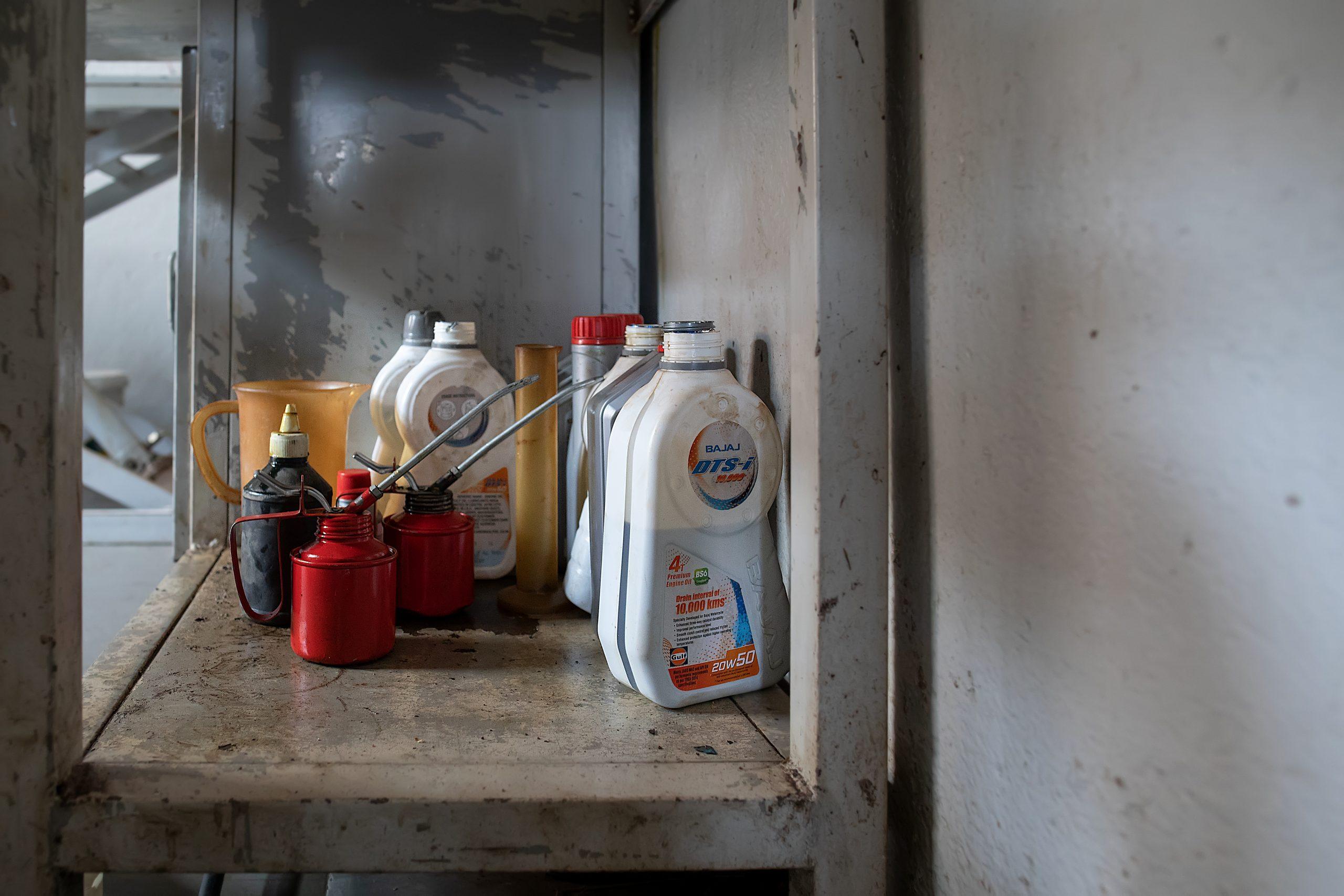 Engine oils at a workshop