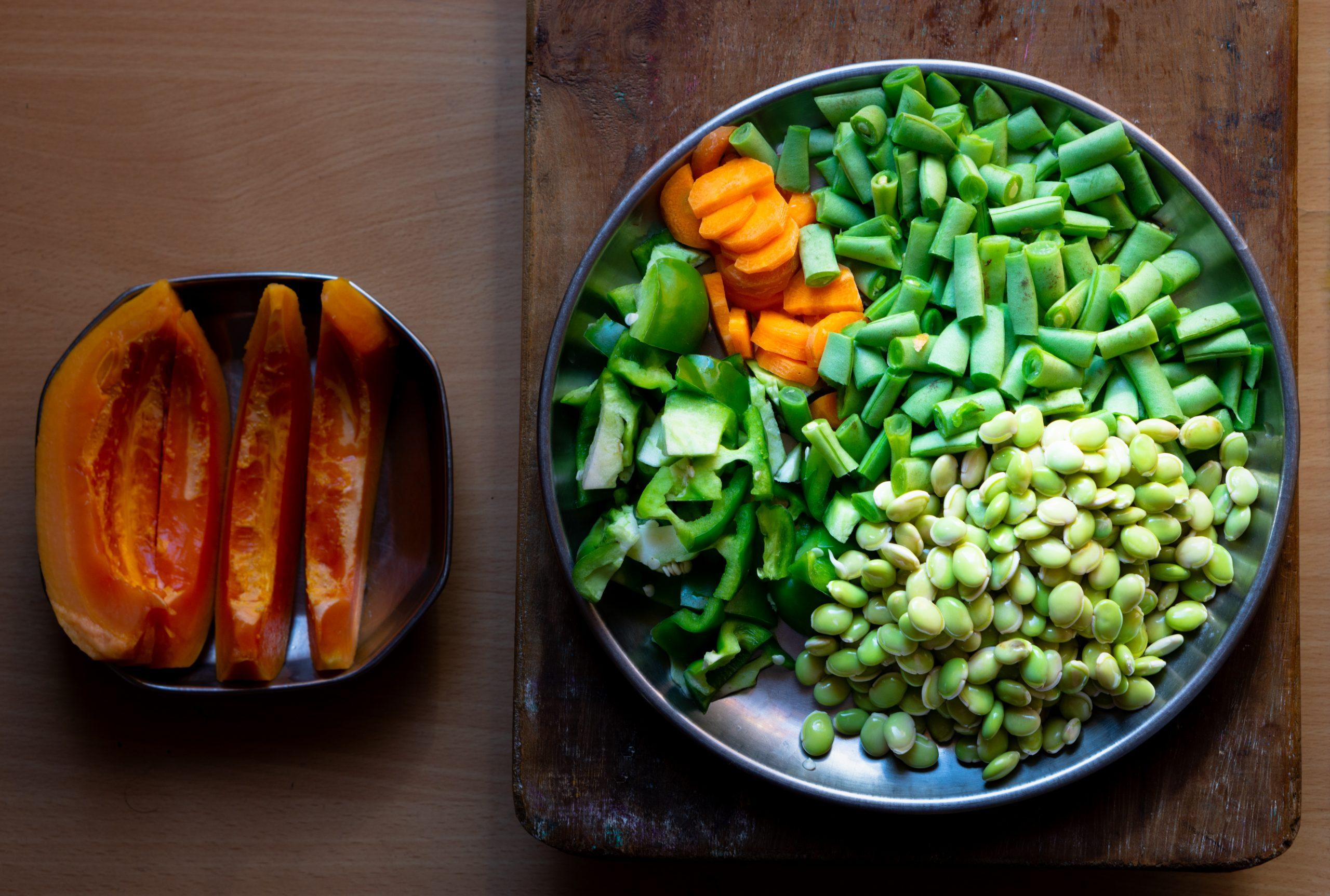 vegetables and papaya fruit