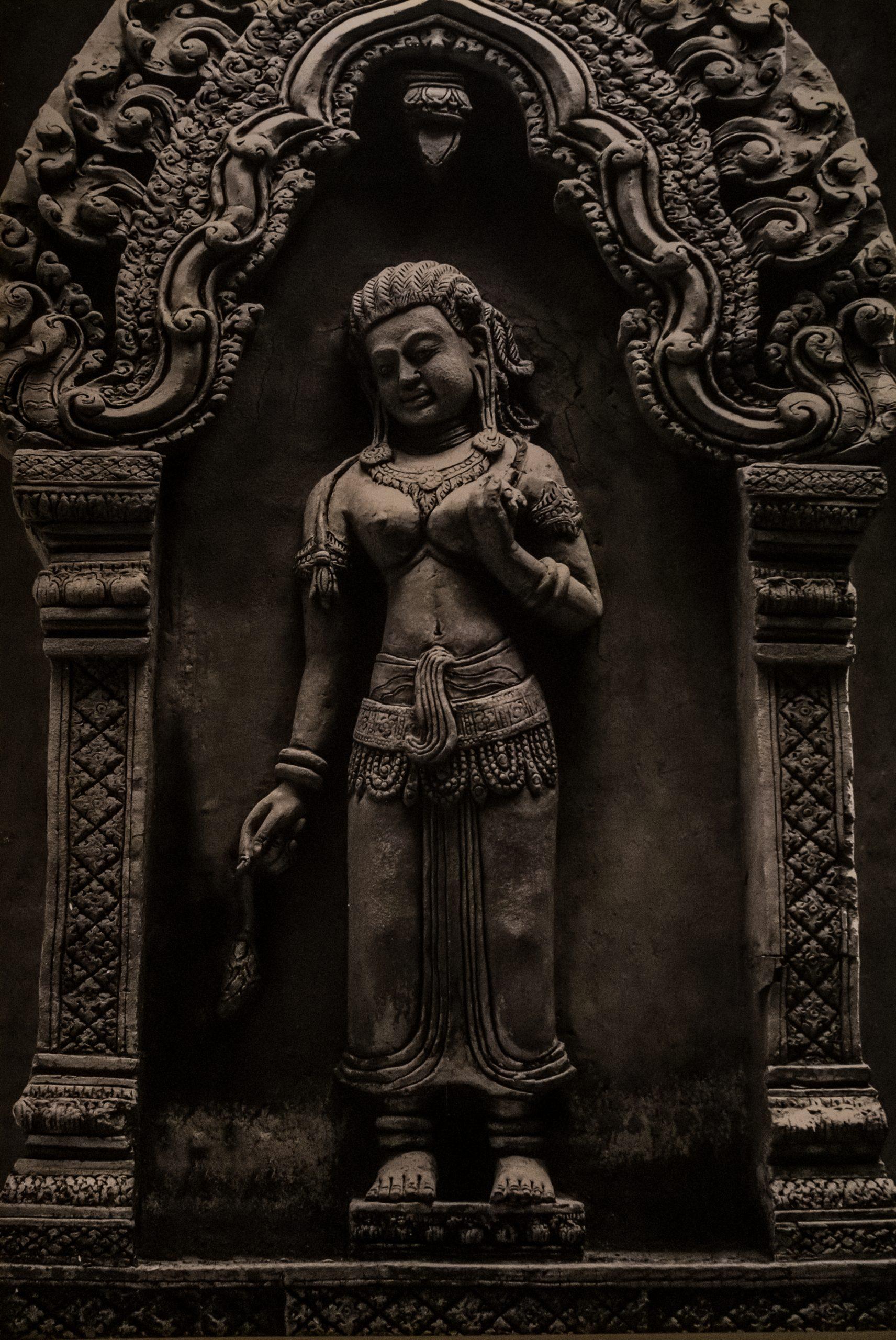 lady statute in wood