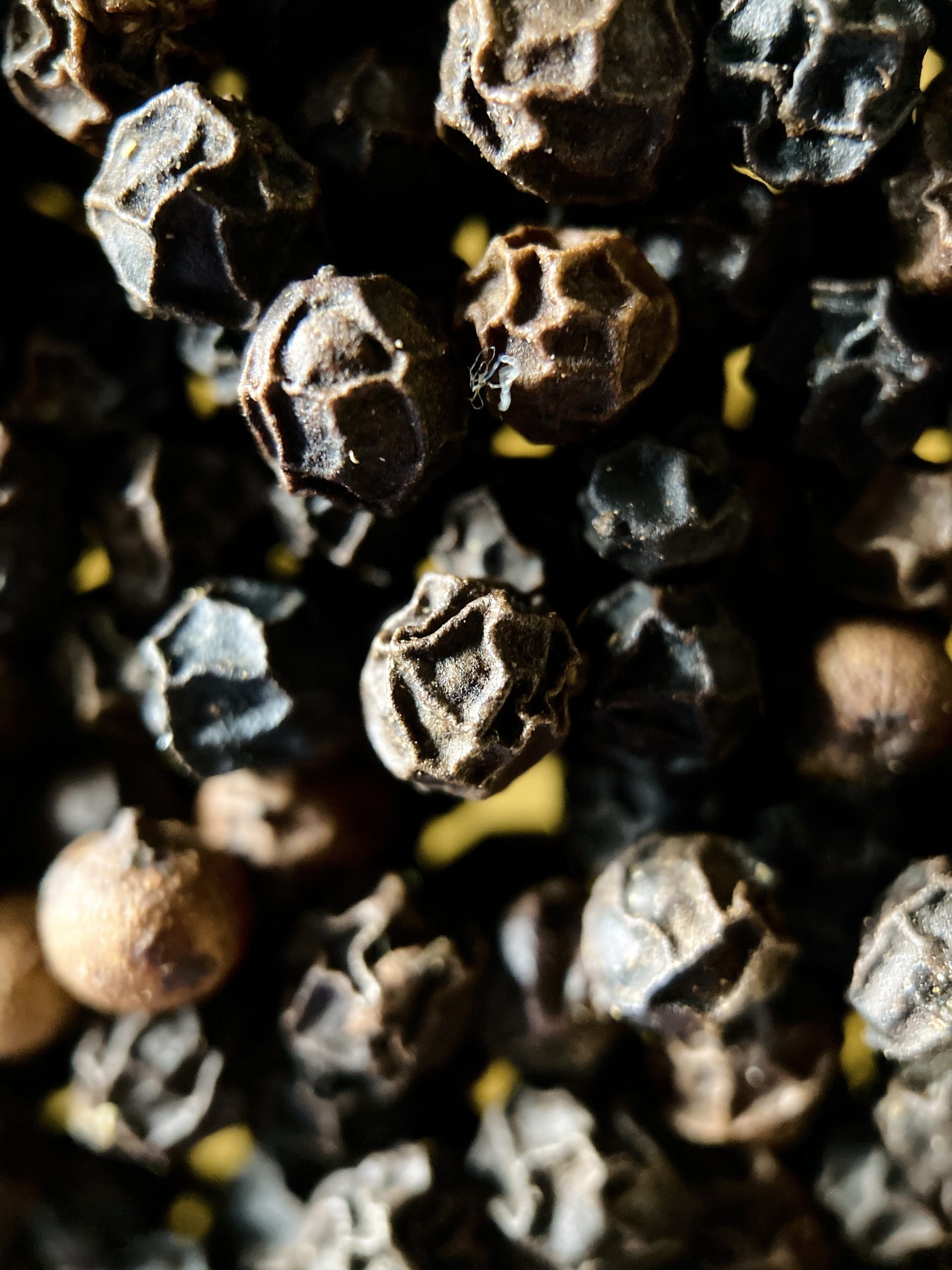 black pepper pods