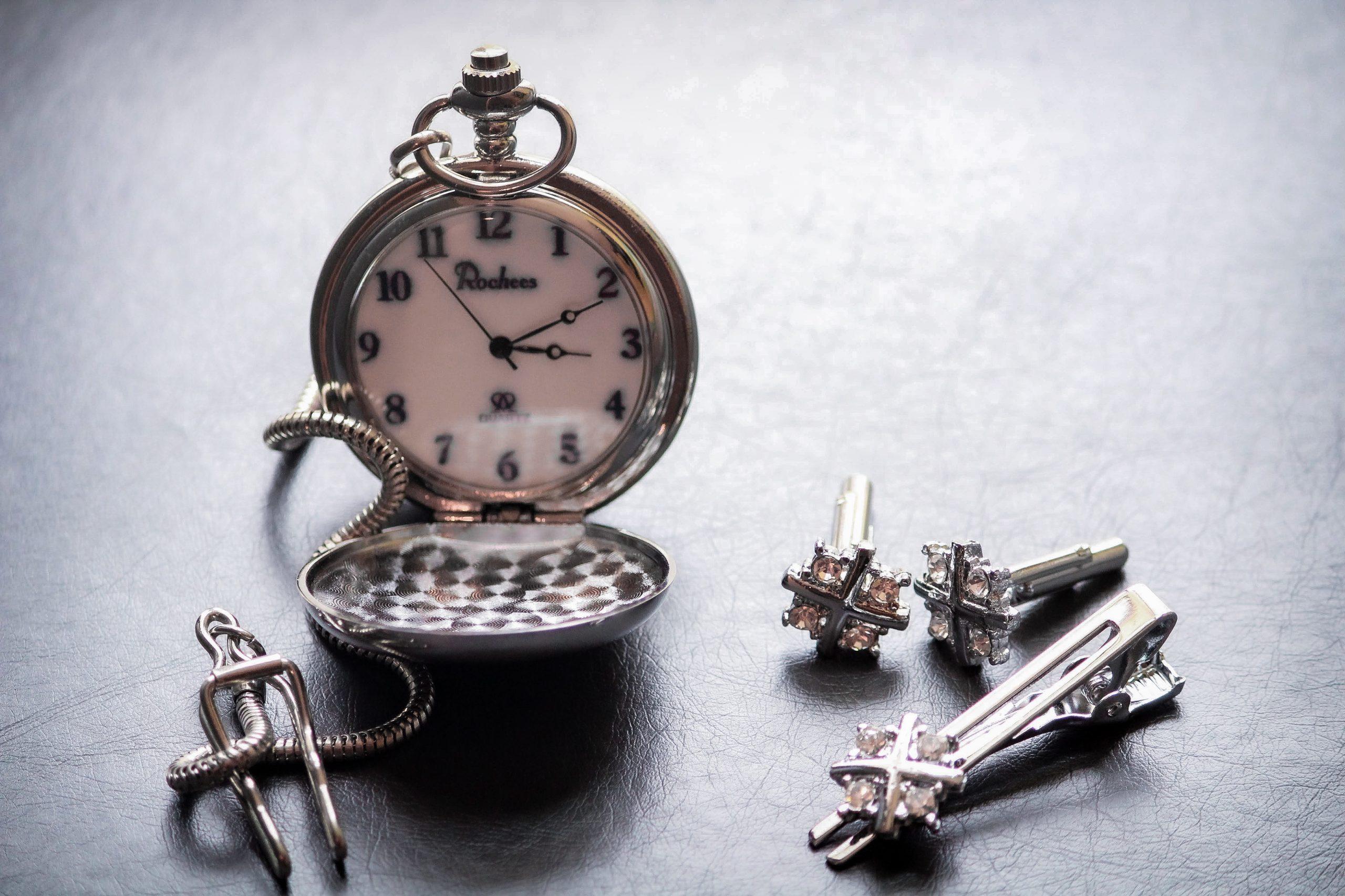 Old antique Watch with cufflinks