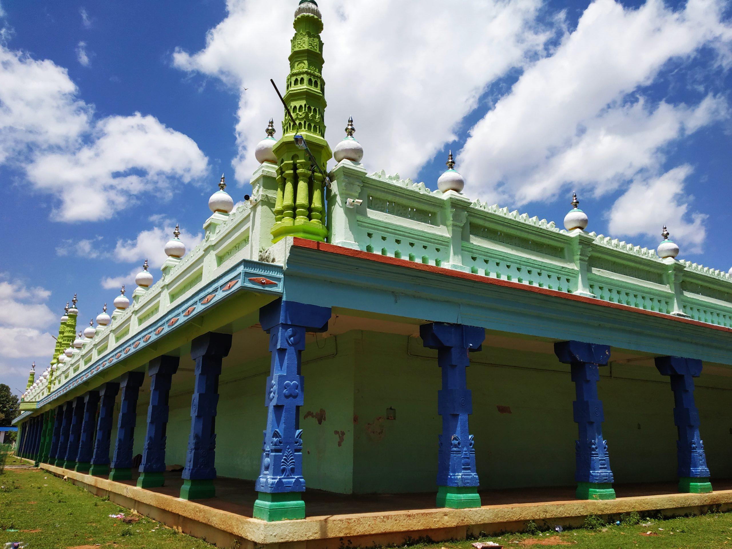 Pillars of a Dargah
