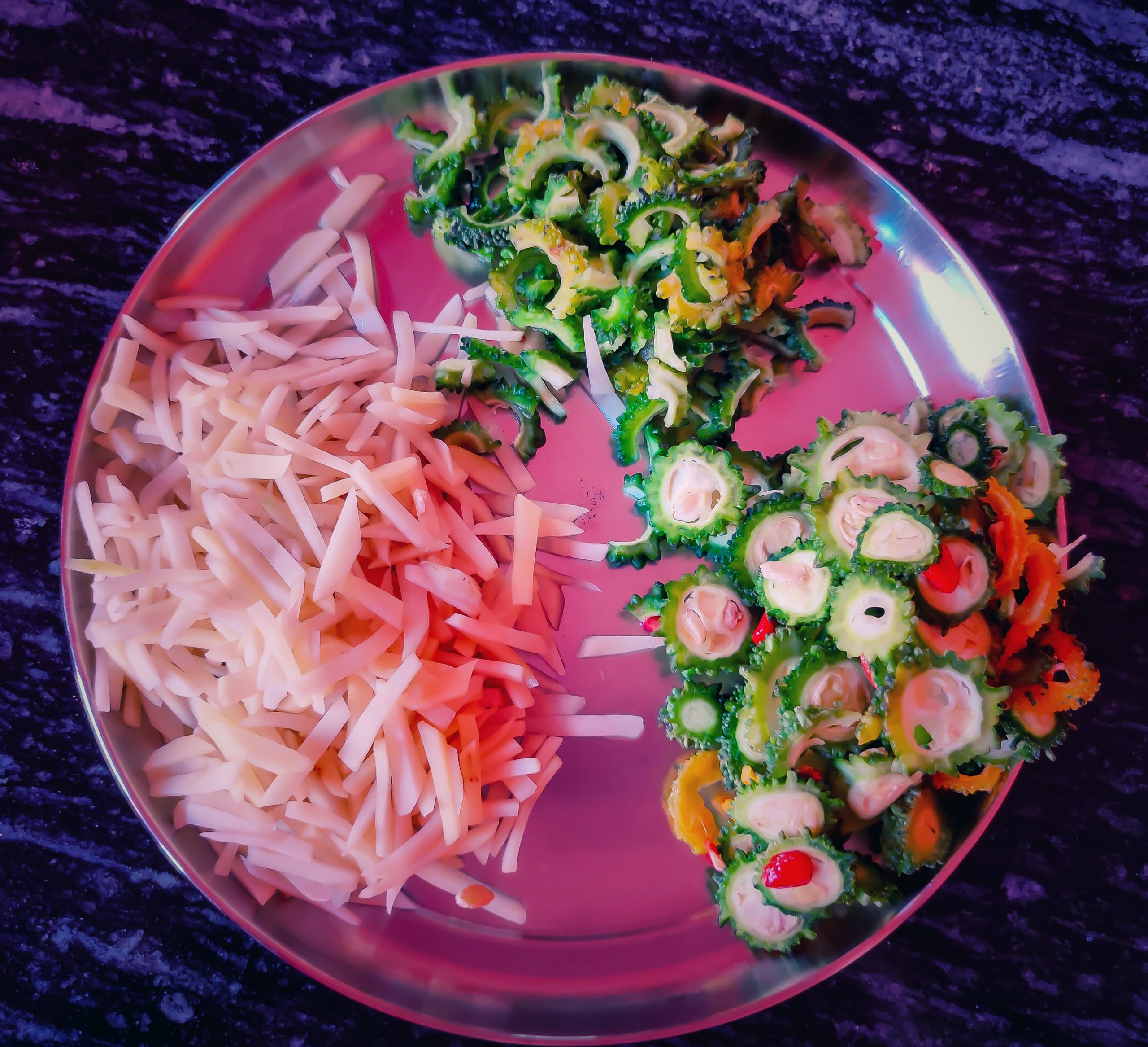 Sliced vegetables in a plate