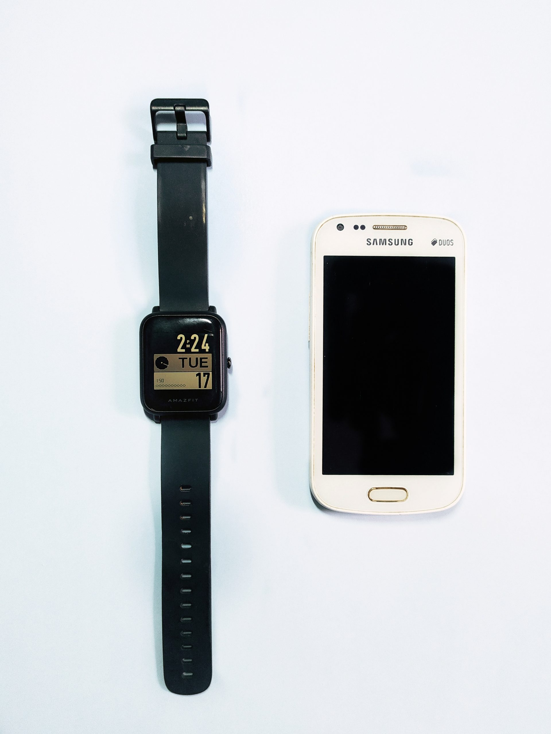 mobile phone and smartwatch
