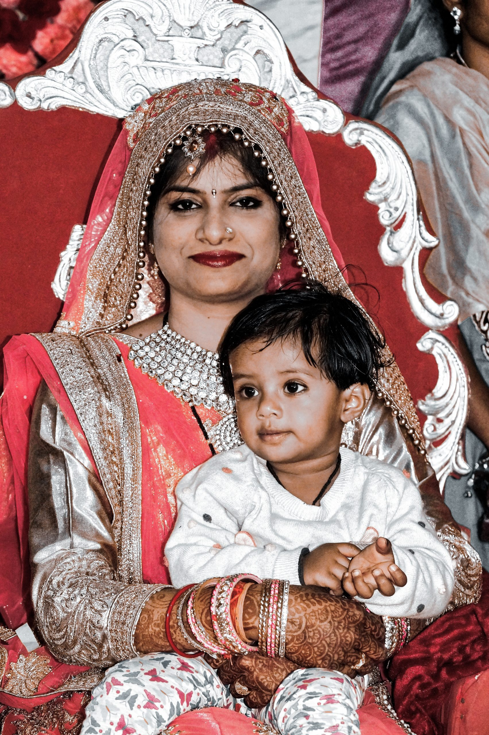 A bride with a kid
