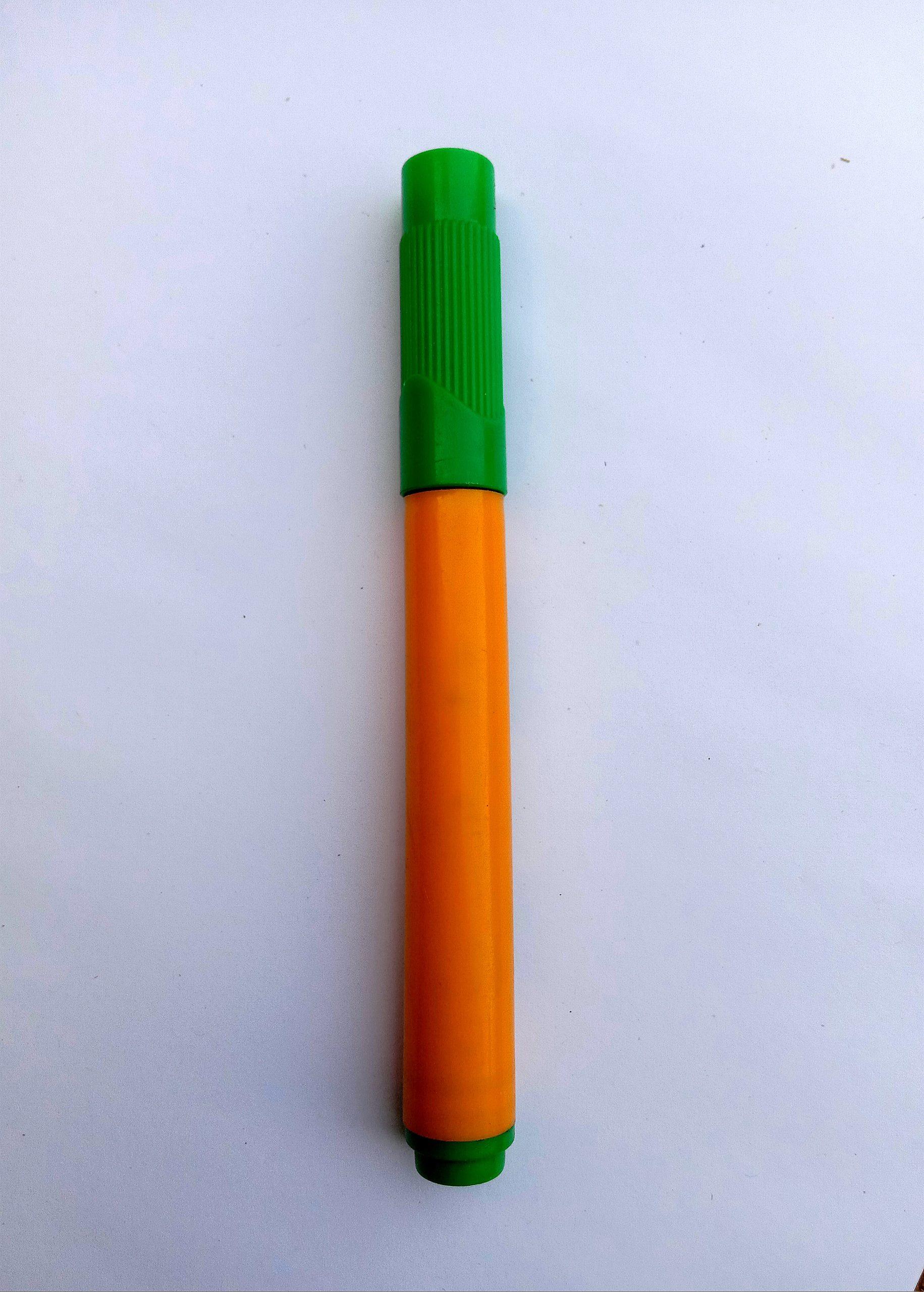 A color pen