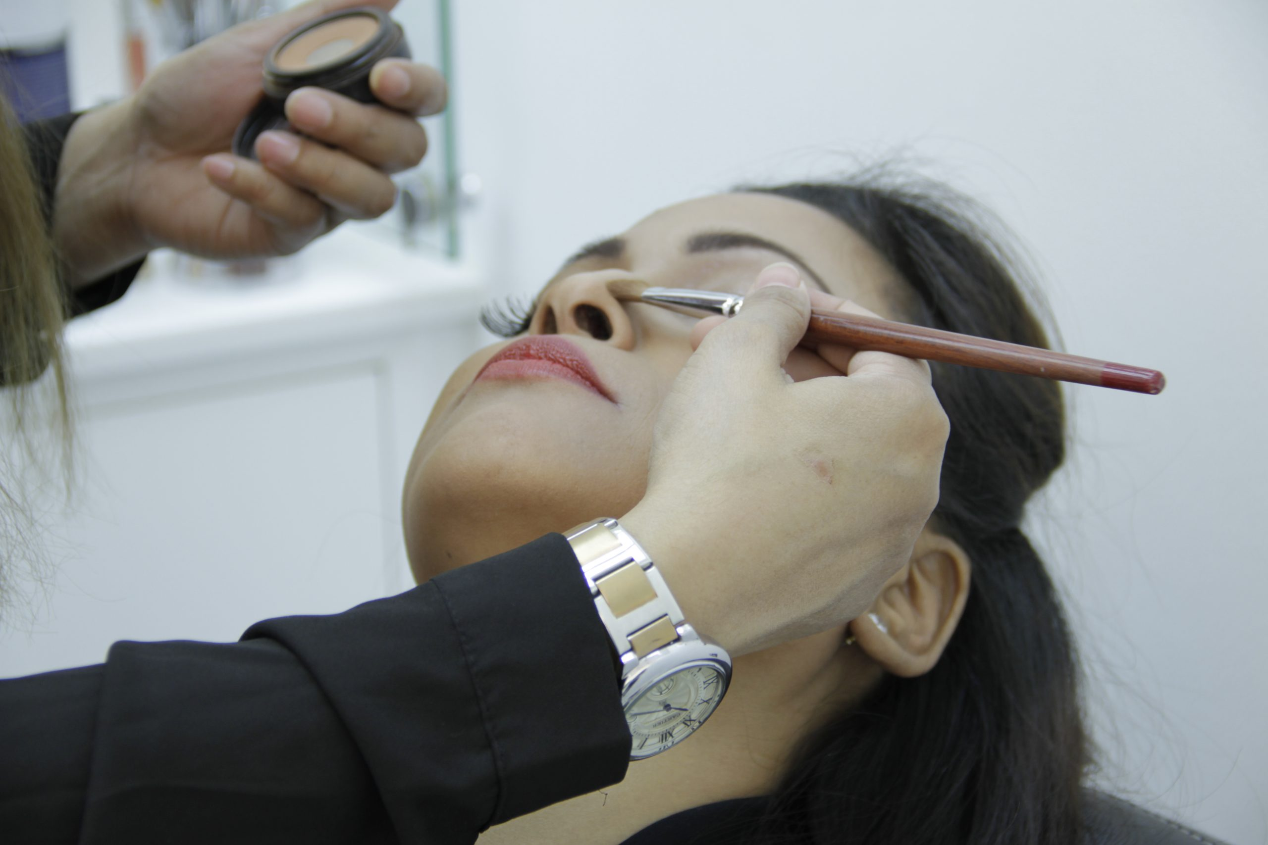 A girl at a beauty parlour