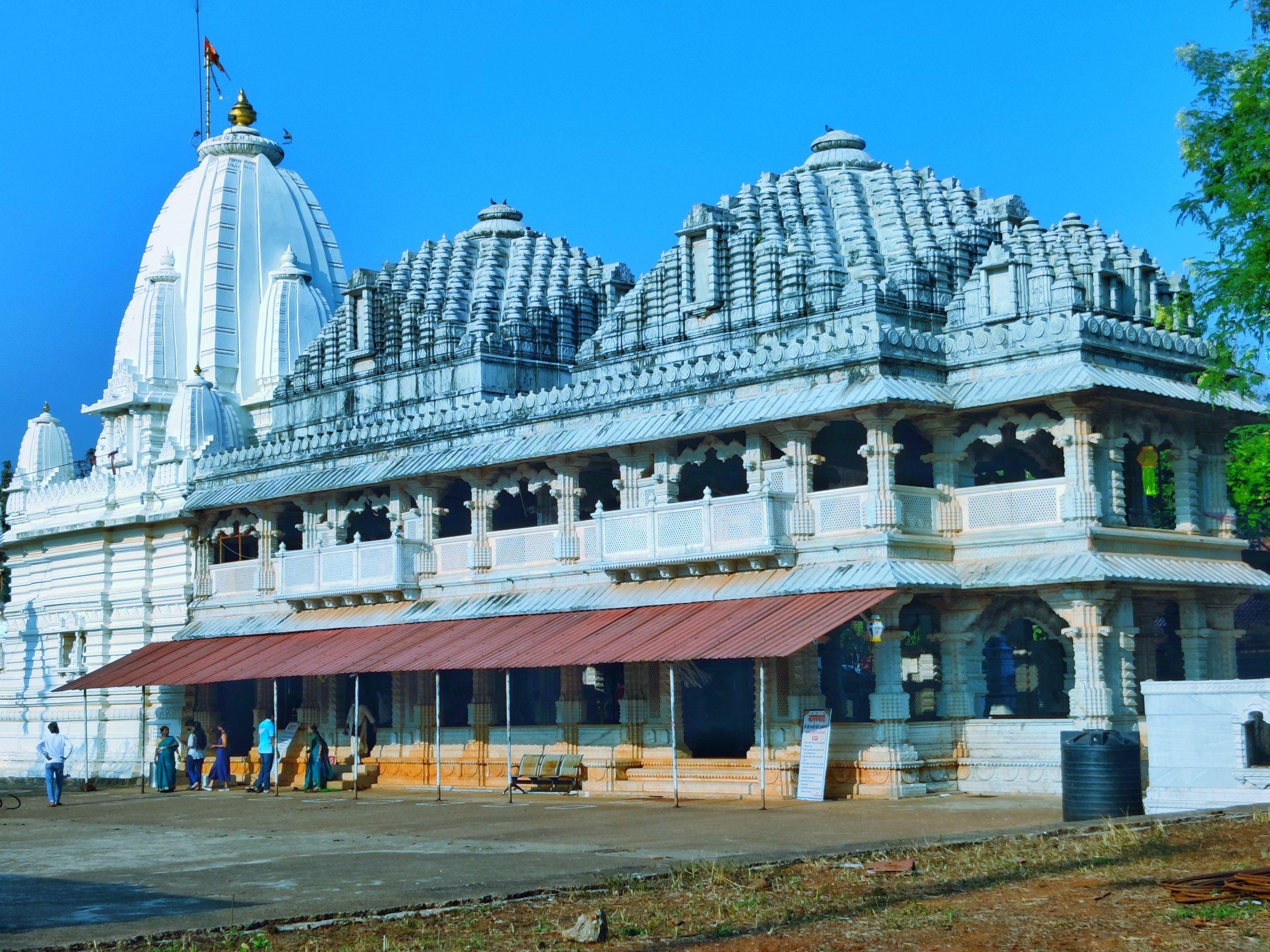 Aangnewadi Temple