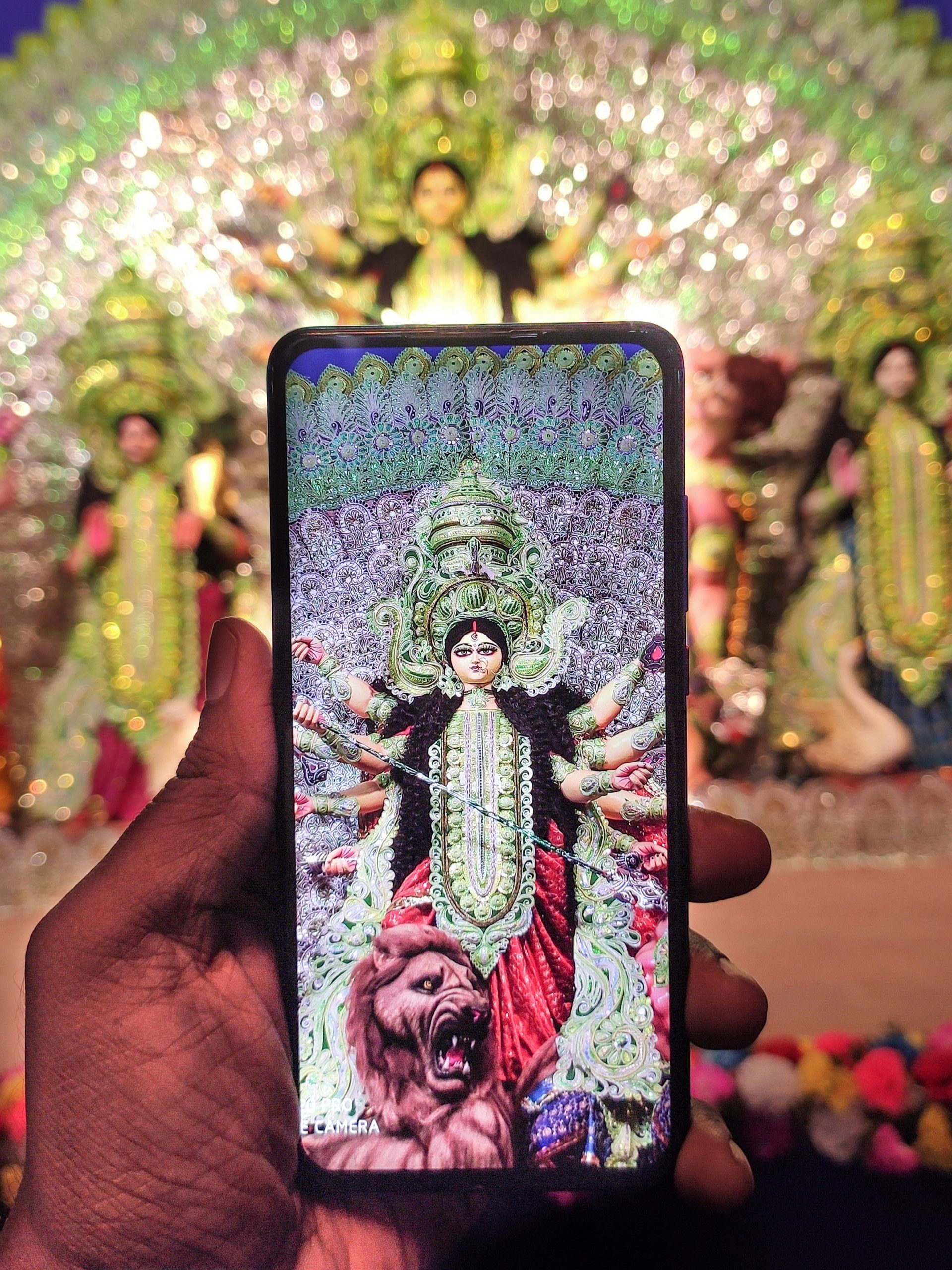 Capturing goddess image with phone