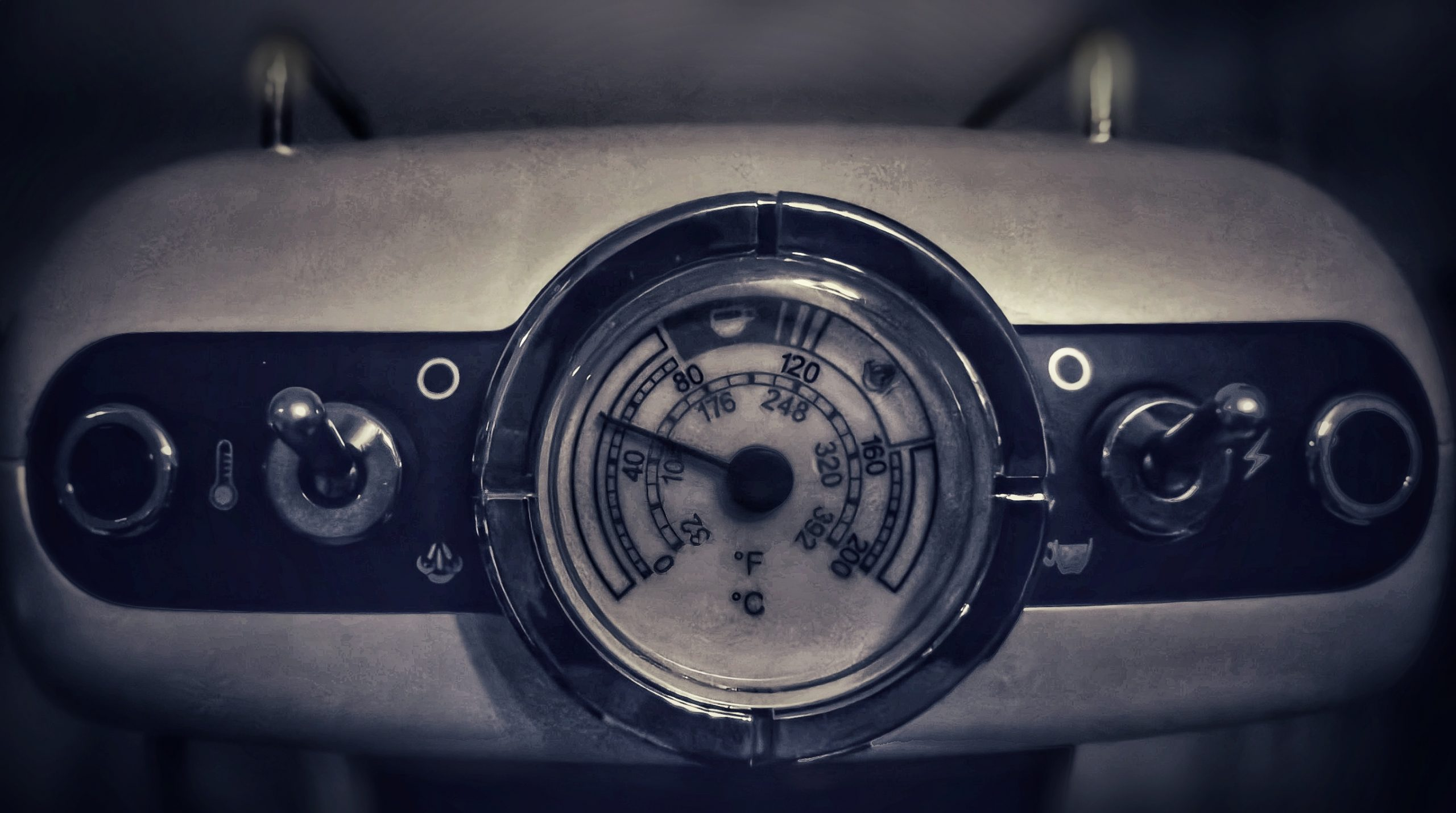 Espresso machine's analog meter