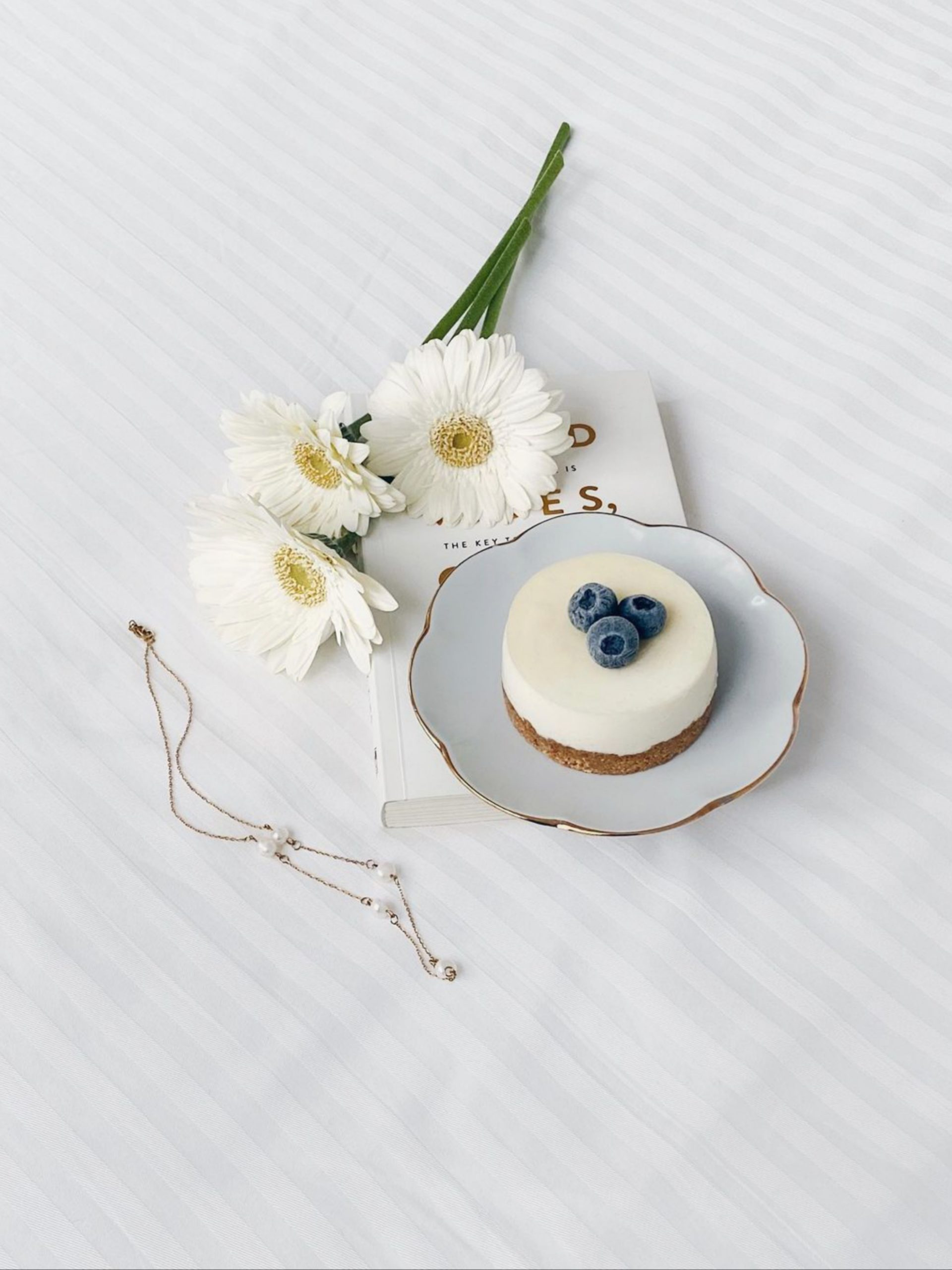 Food plate and cut flowers