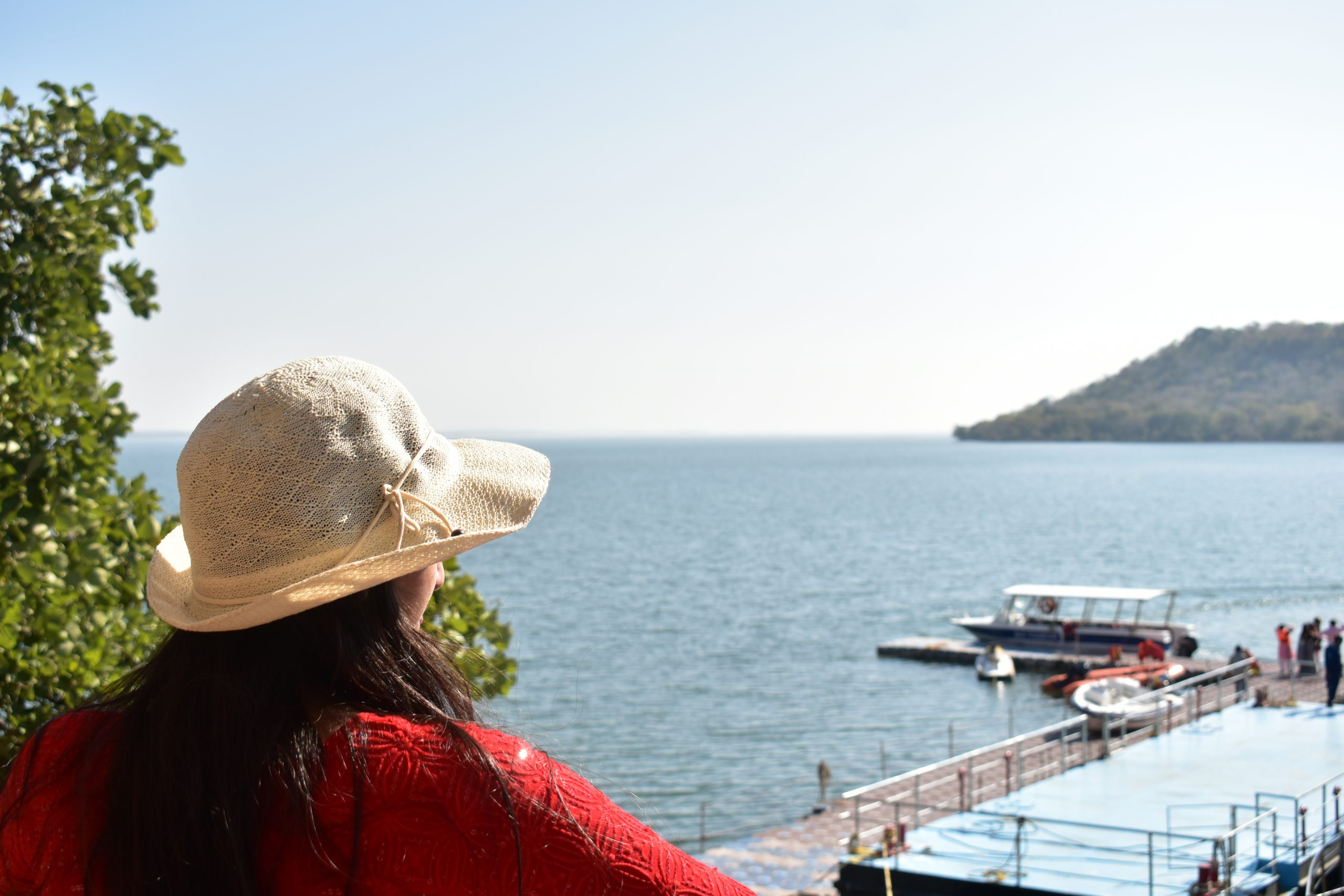 A girl at Gandhi Sagar dam