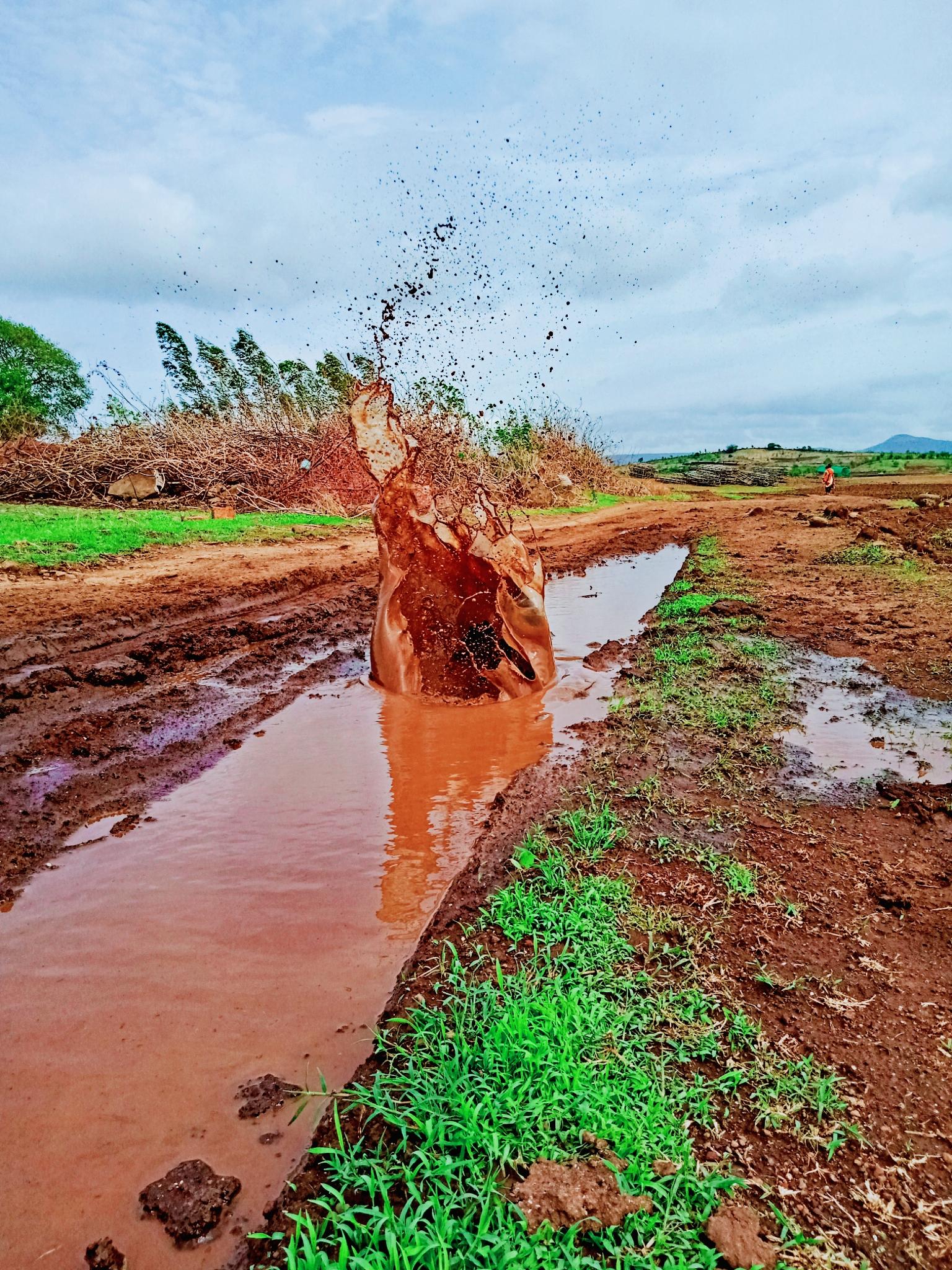 Muddy water splash