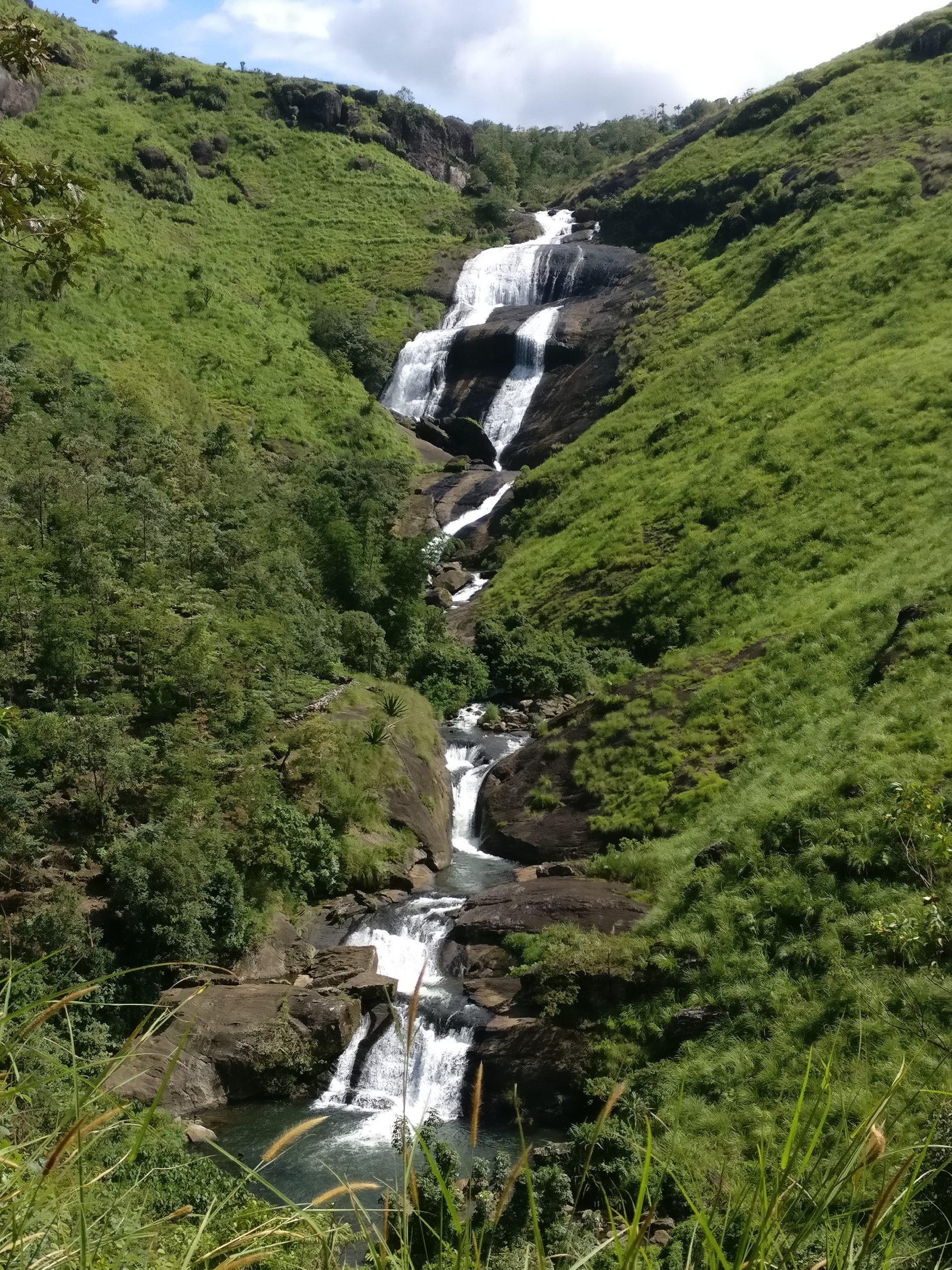 Pallozhughum Para waterfall in Kerala