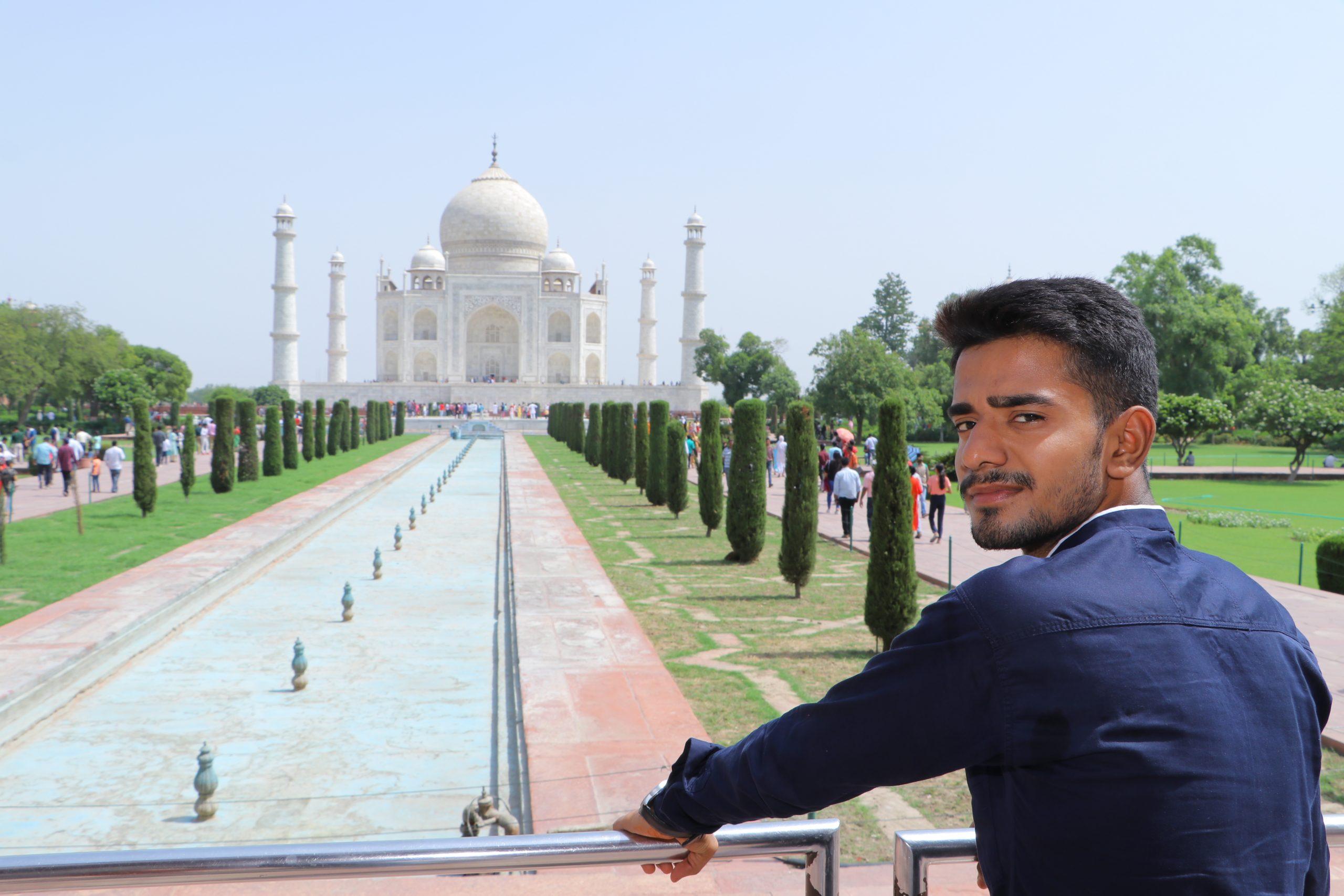 A boy at Taj Mahal