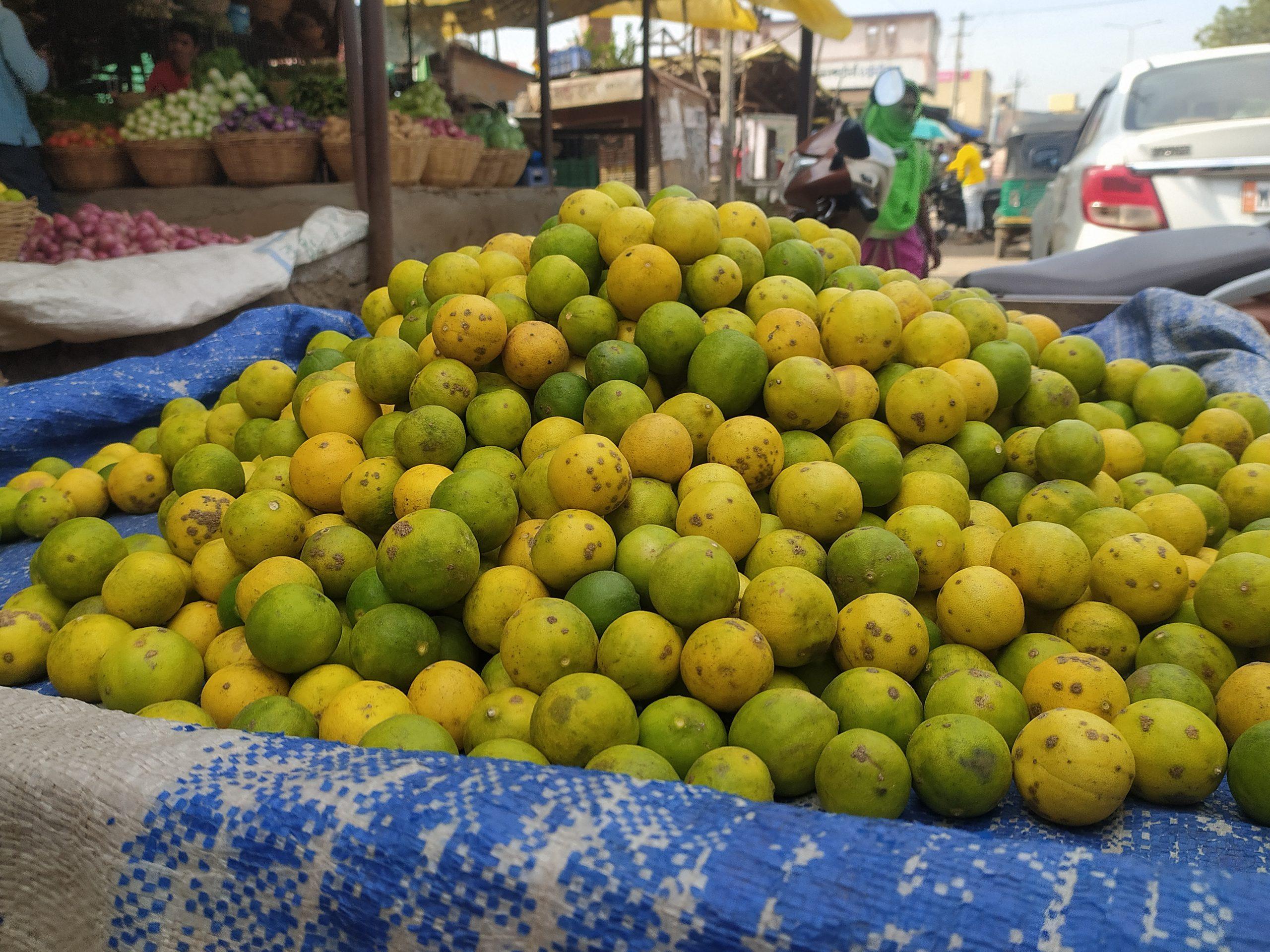 Selling lemons in a market place