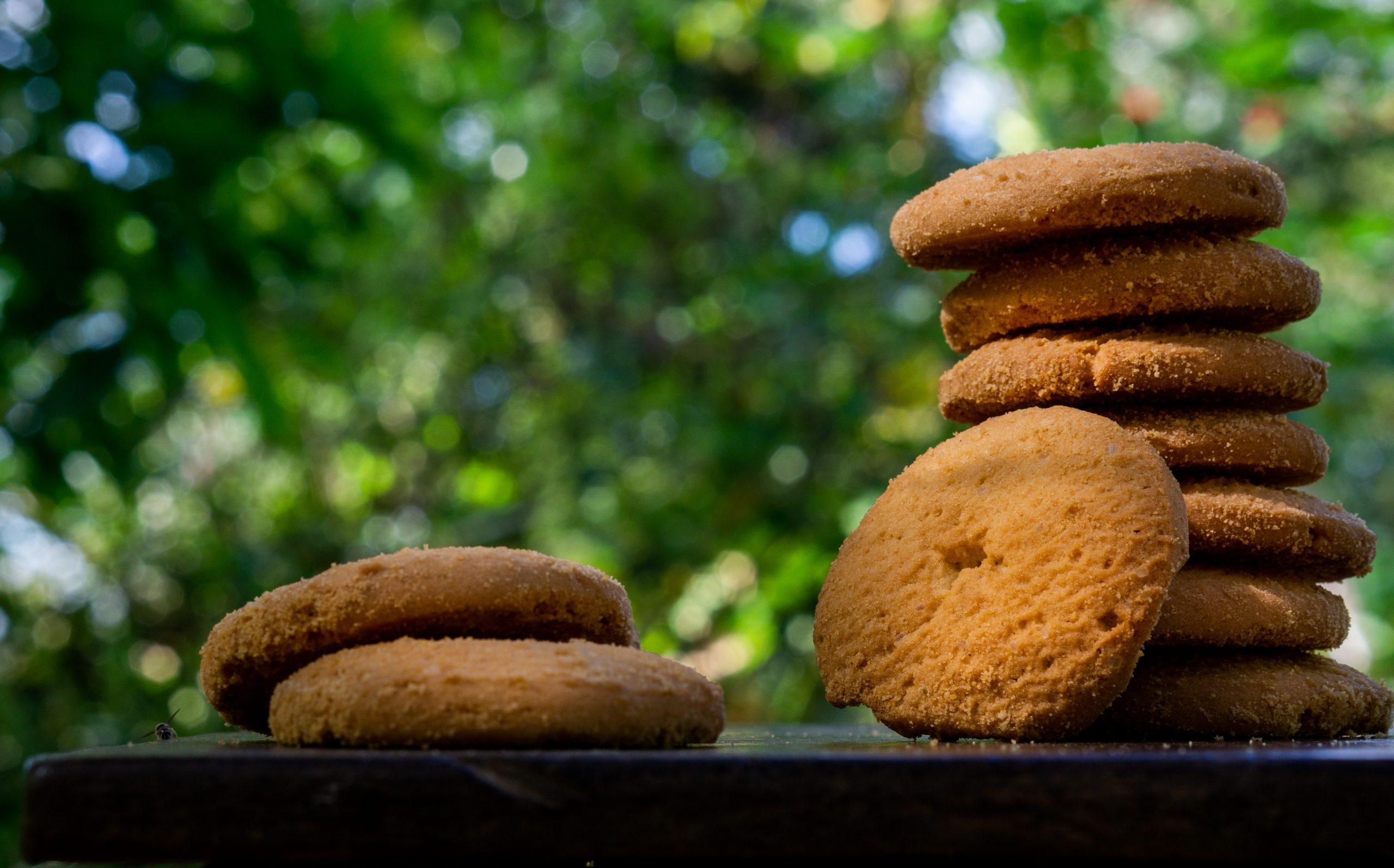 Sweet cookies to eat