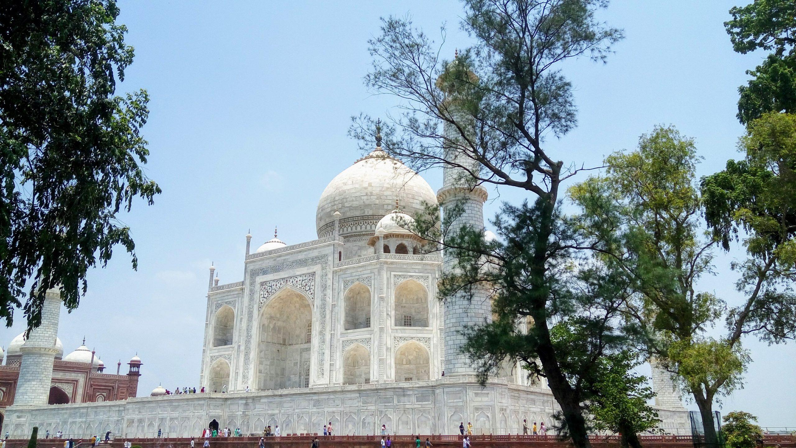 A side view of Taj Mahal