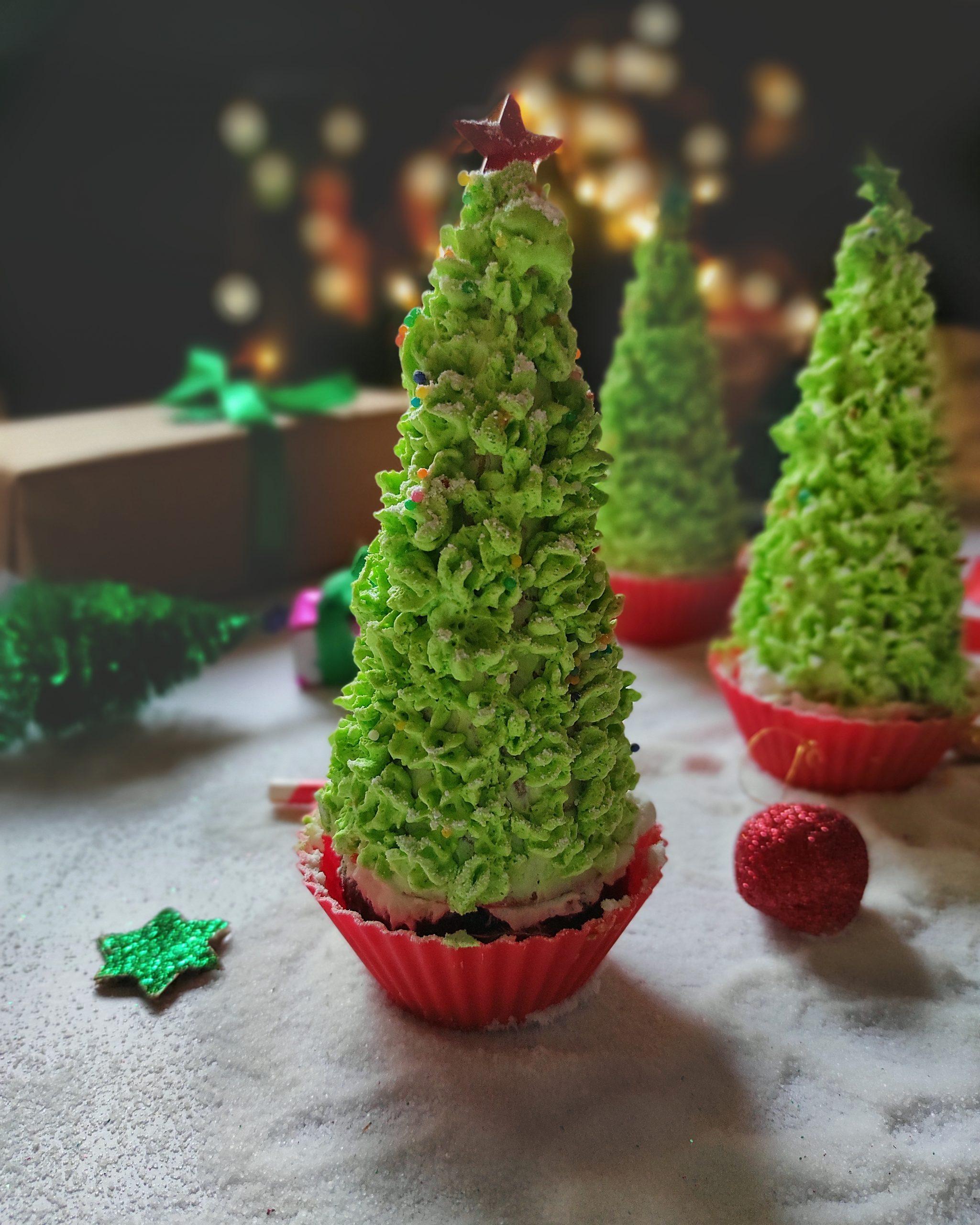 cupcakes as Christmas tree