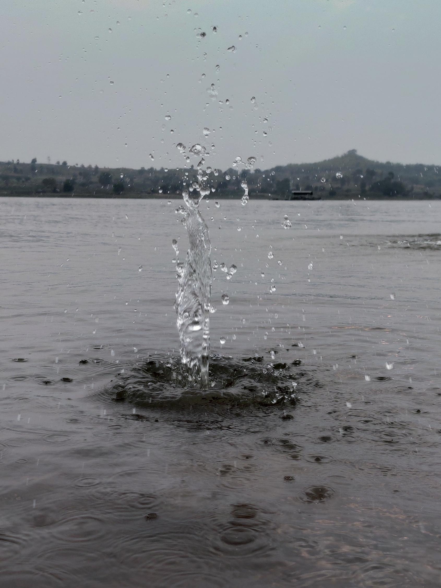 Water effect after an object fallen