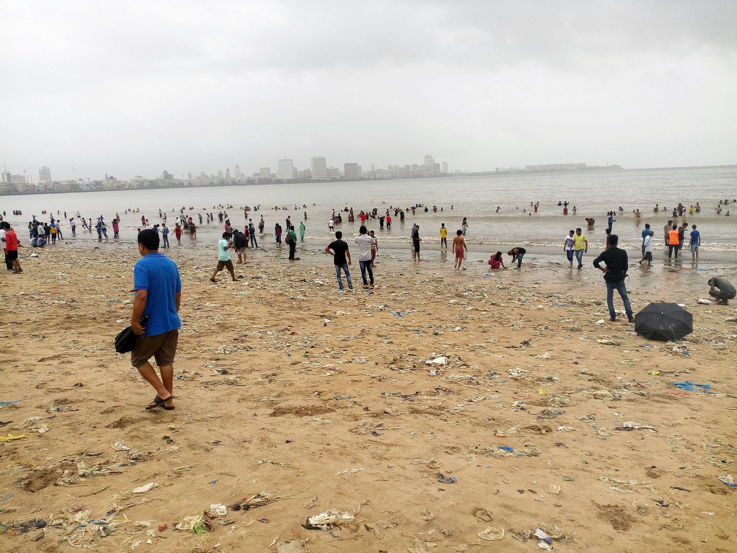 People at Chowpatty beach in Mumbai