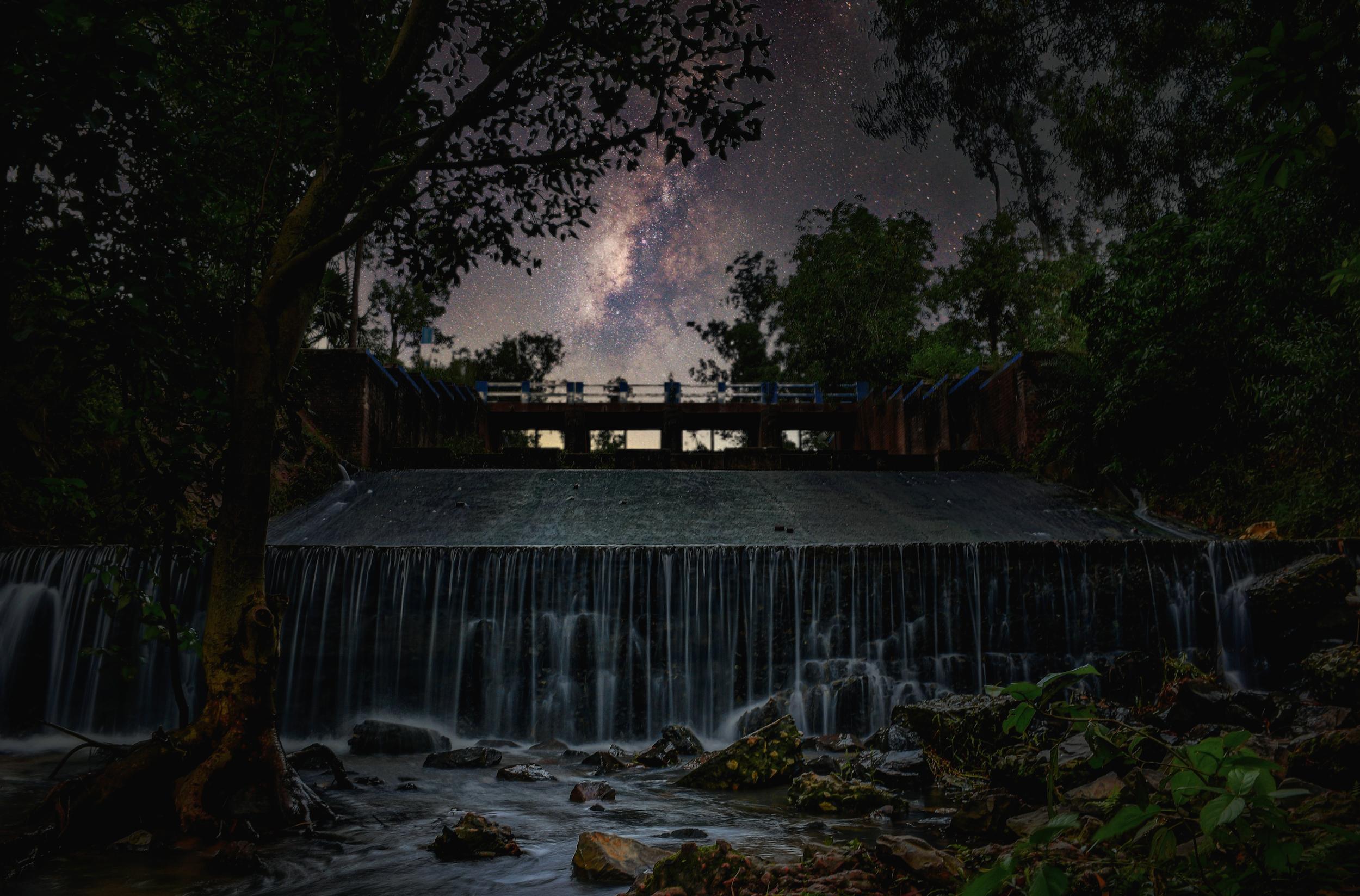Night view of waterfall