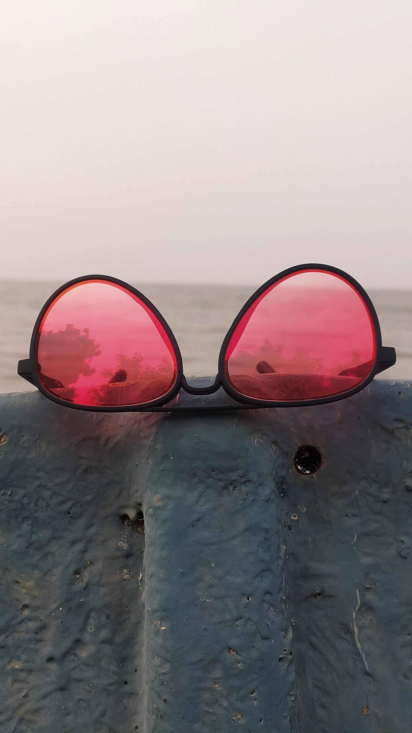 Goggle on the rock beach side