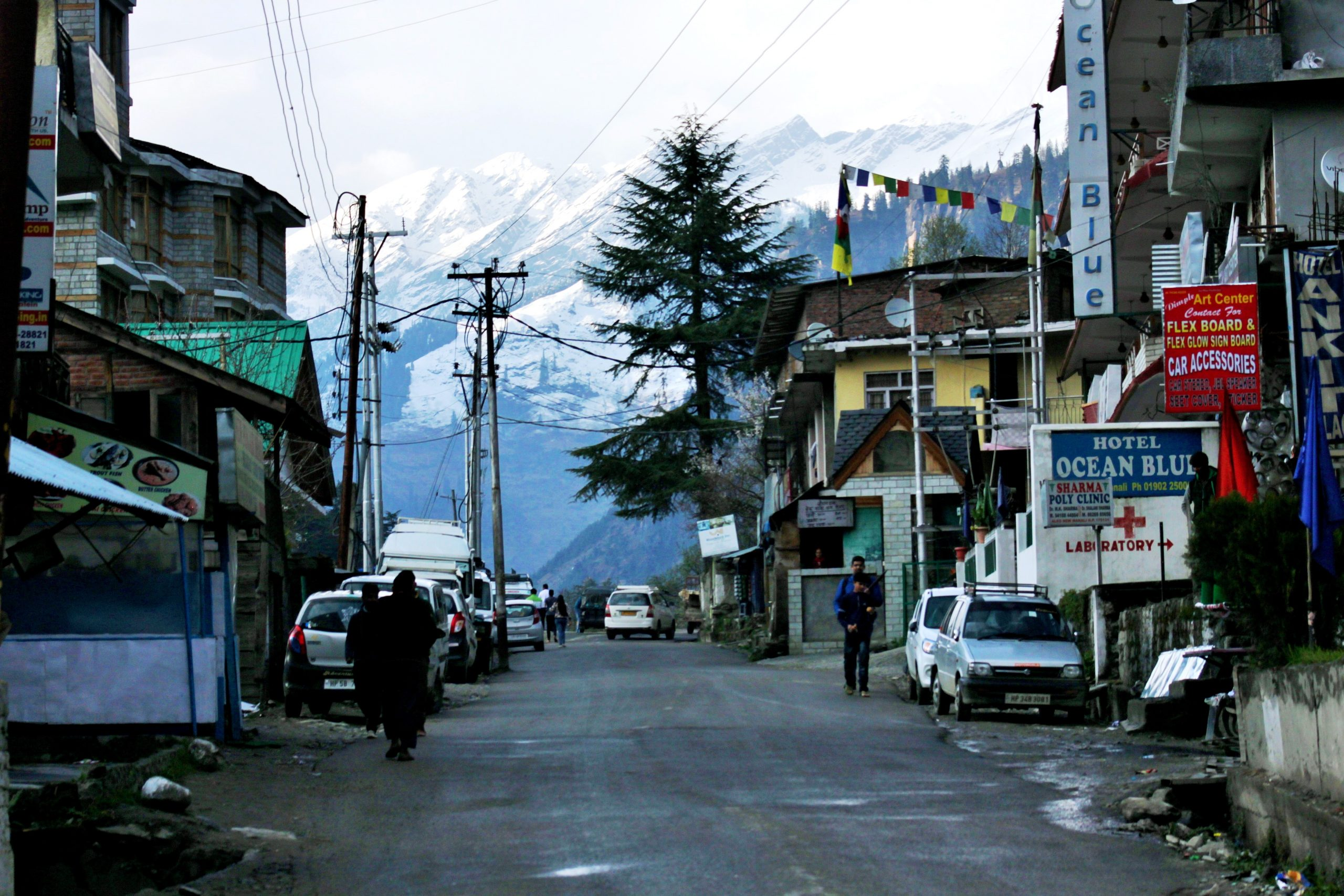 A market in Manali, Himachal