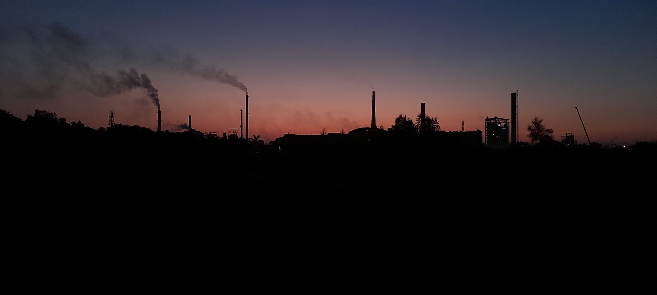 Smoke pollution produced by factory chimnies