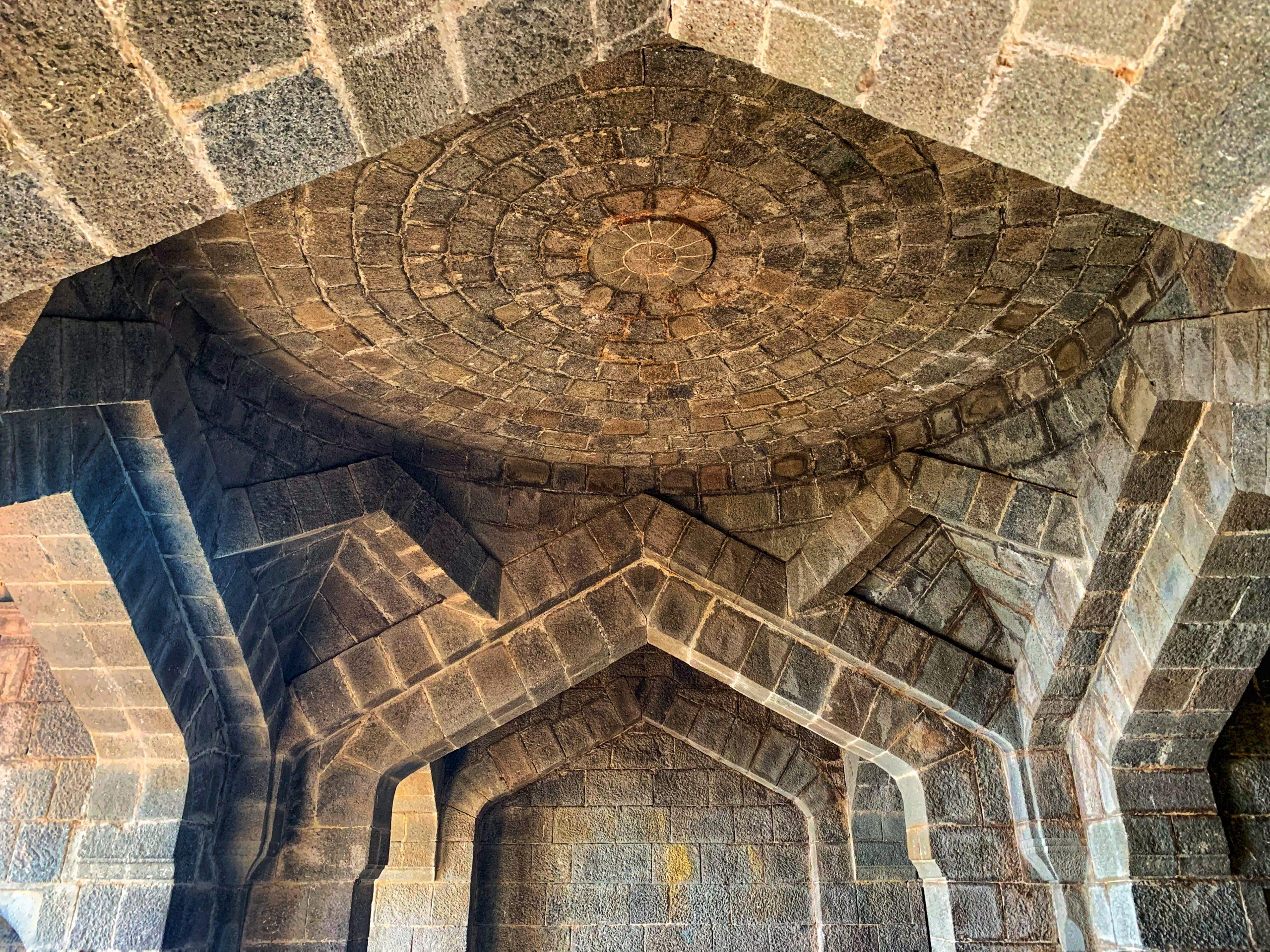Roof design of fort