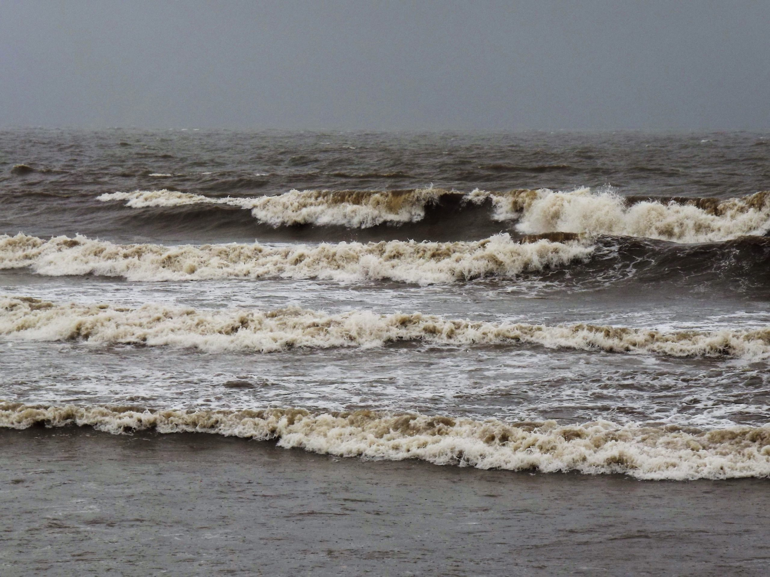 Sea waves at Juhu Mumbai