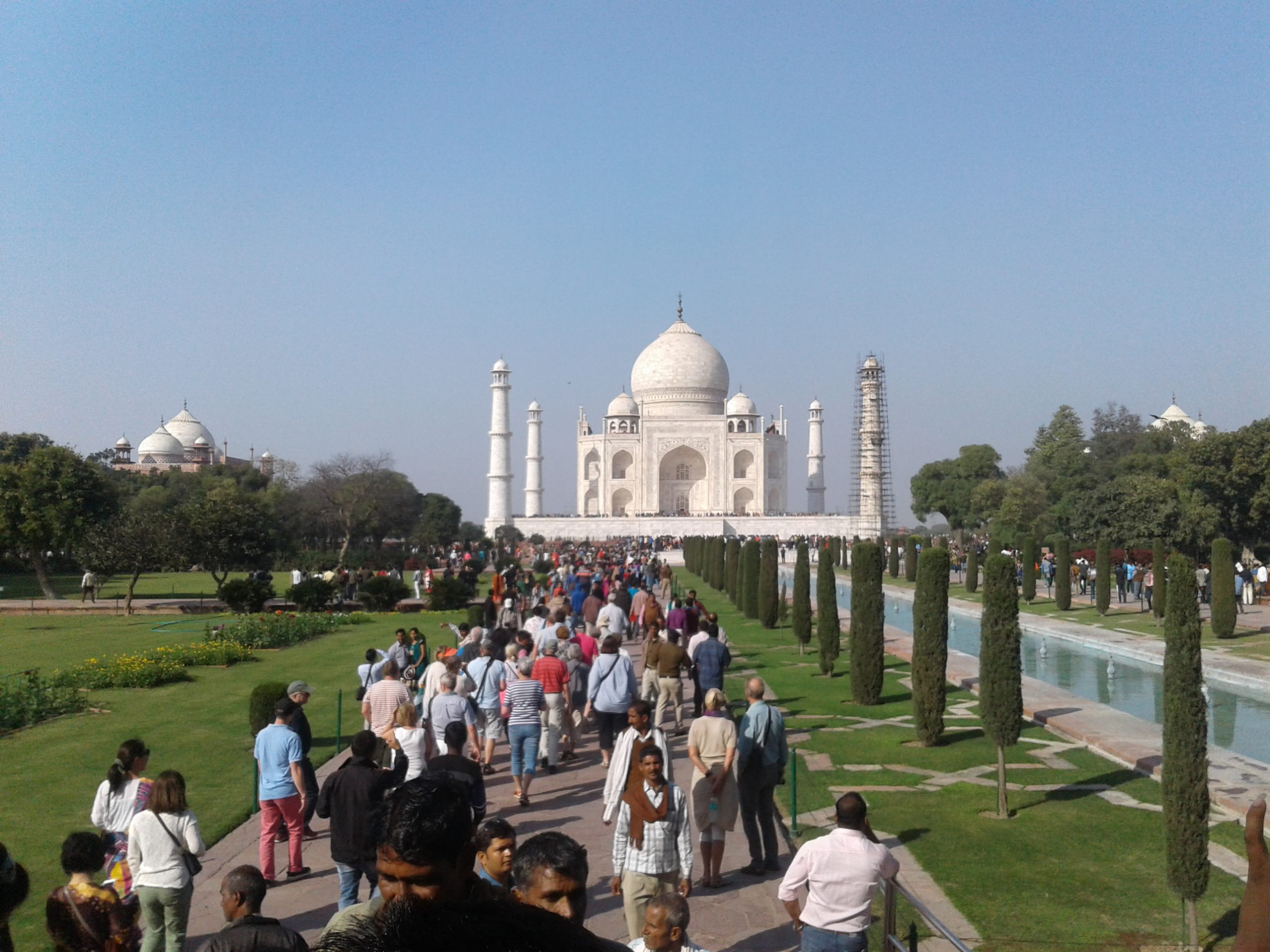 Tourists at Taj Mahal complex