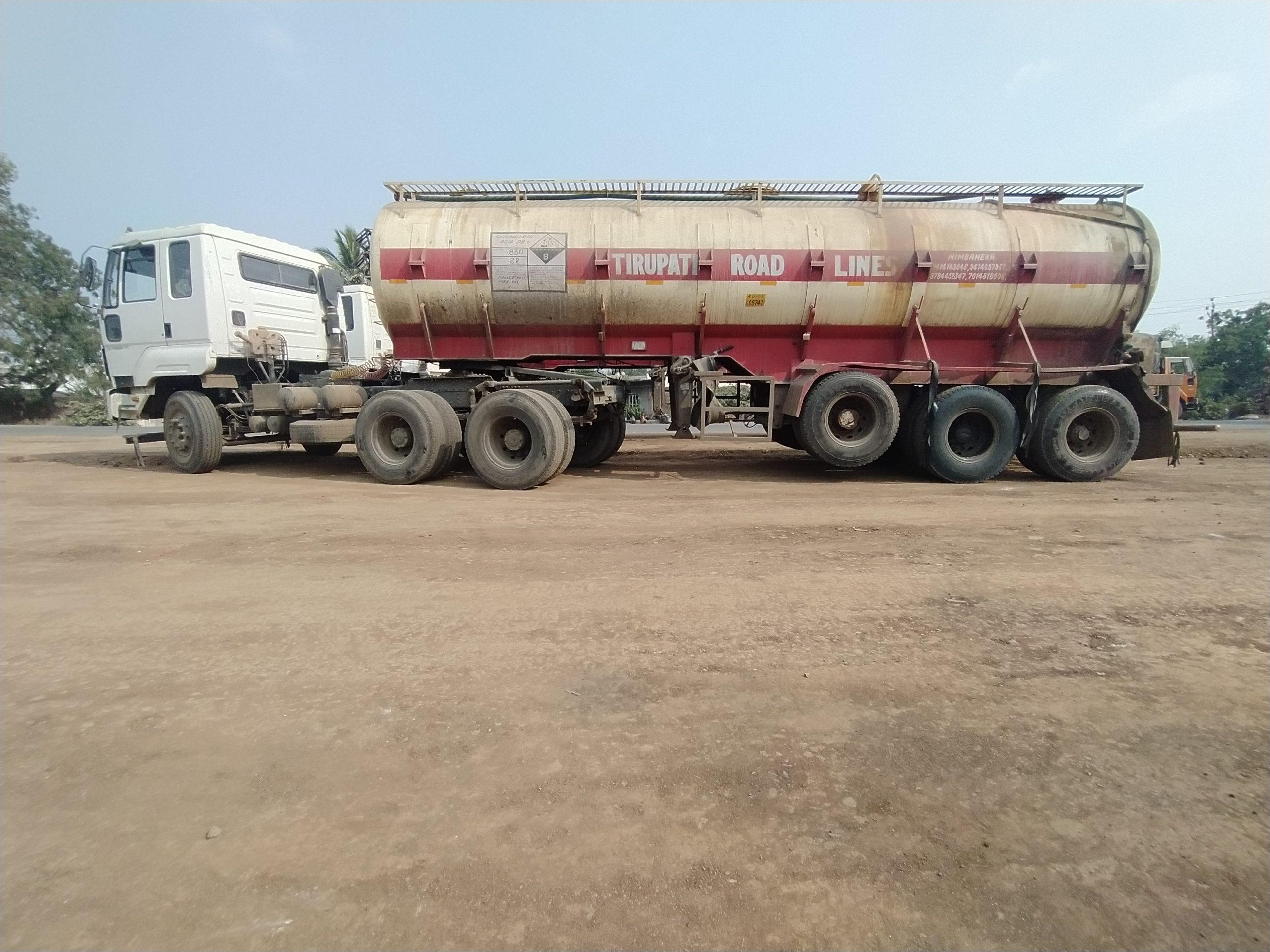 truck on the raod