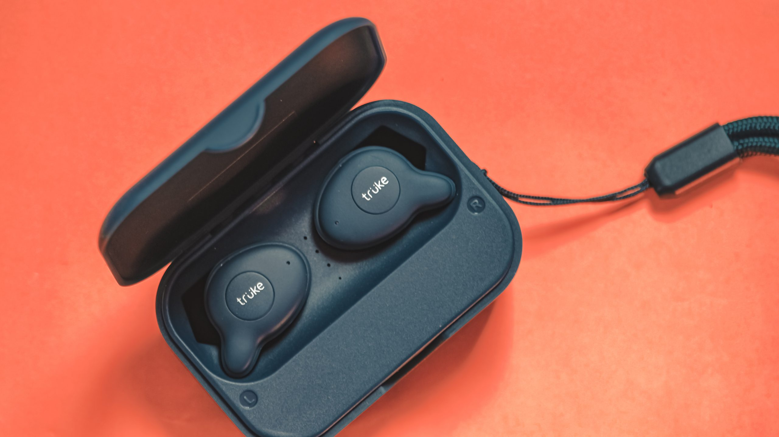 Bluetooth earphone case