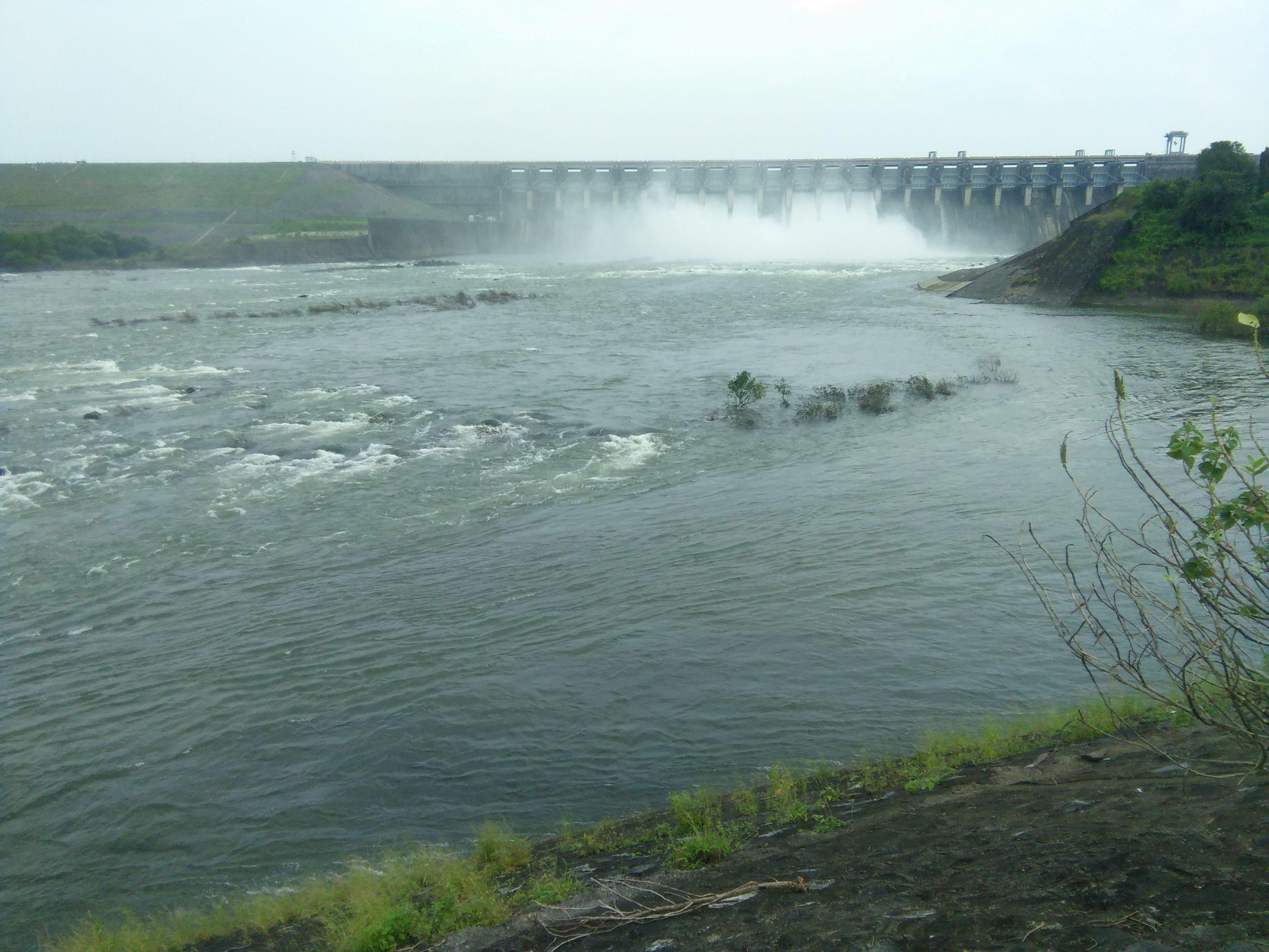 Ukai Dam on Tapi river