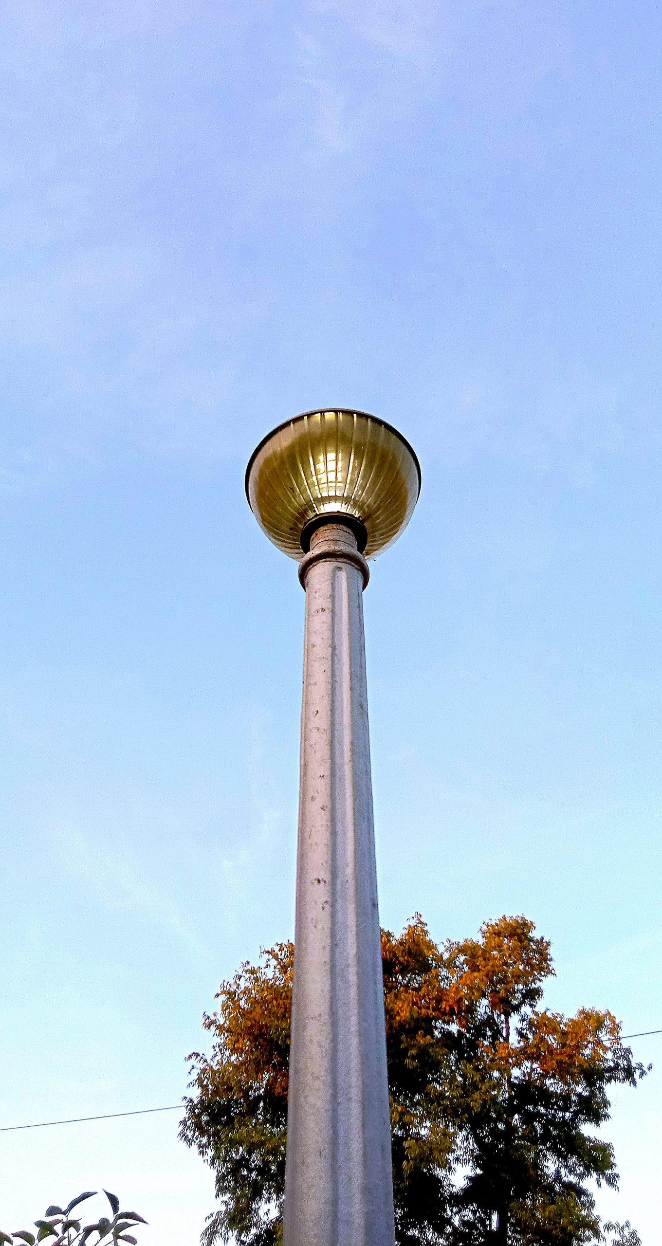 A light pole